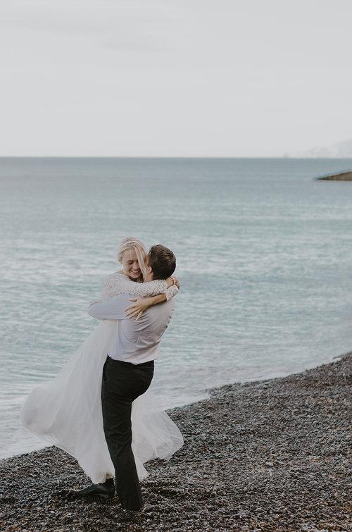 Black+Beach+Elopement+Santorini++Seos+Photography+www.seosfoto+(10).jpg