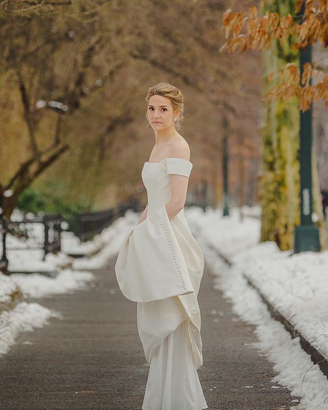 Picture perfect day for this picture perfect bride! Mother Nature was really showing off when she sprinkled just the right amount of snow on this dreamy NYC winter wedding! Congratulations to the new Mr. + Mrs. Chaney! . . . . . . #contouredbychrissy #makeup #mua #motd #cosmetics #contour #beauty #bride #bridal #bridalmakeup #naturalnakeup #wedding #weddingmakeup #wakeupandmakeup #freelance #artist #makeupartist #bridesmaid #bridesmaidmakeup #love #nyc #nycwedding #nycbride #timeless #classic #romantic #natural #naturalbeauty