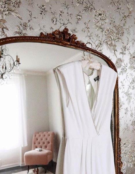 margo-and-me-rachel-zoe-swann-v-neck-evening-gown-600x600-2.jpg
