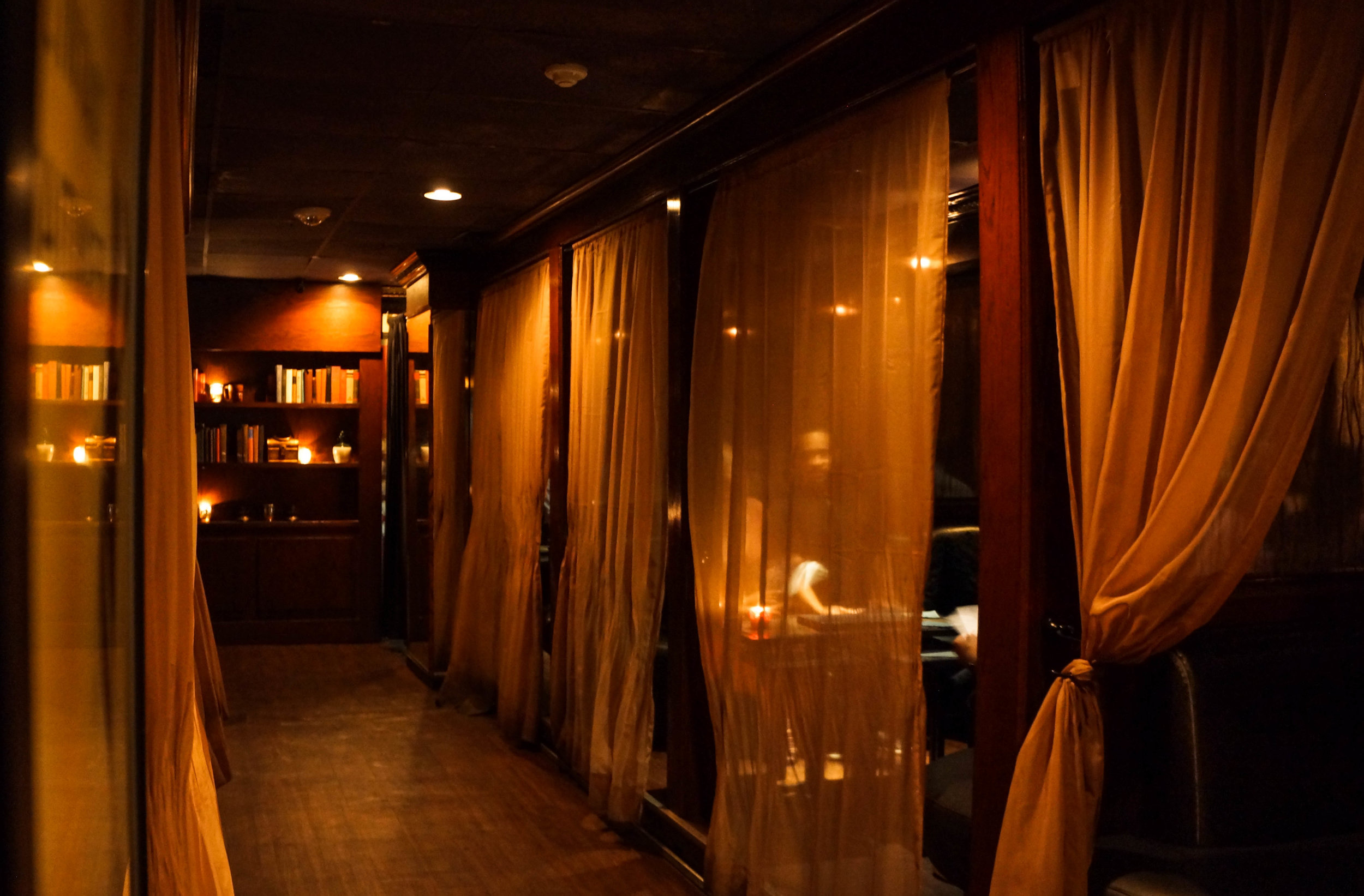 Private Booths at Ciro's Speakeasy in Tampa Bay Florida