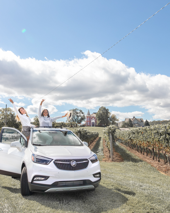 Krystle (@DineAndFash) and I living our best lives in the Buick Encore! A quick stop for a photo at Peninsula Ridge Winery!