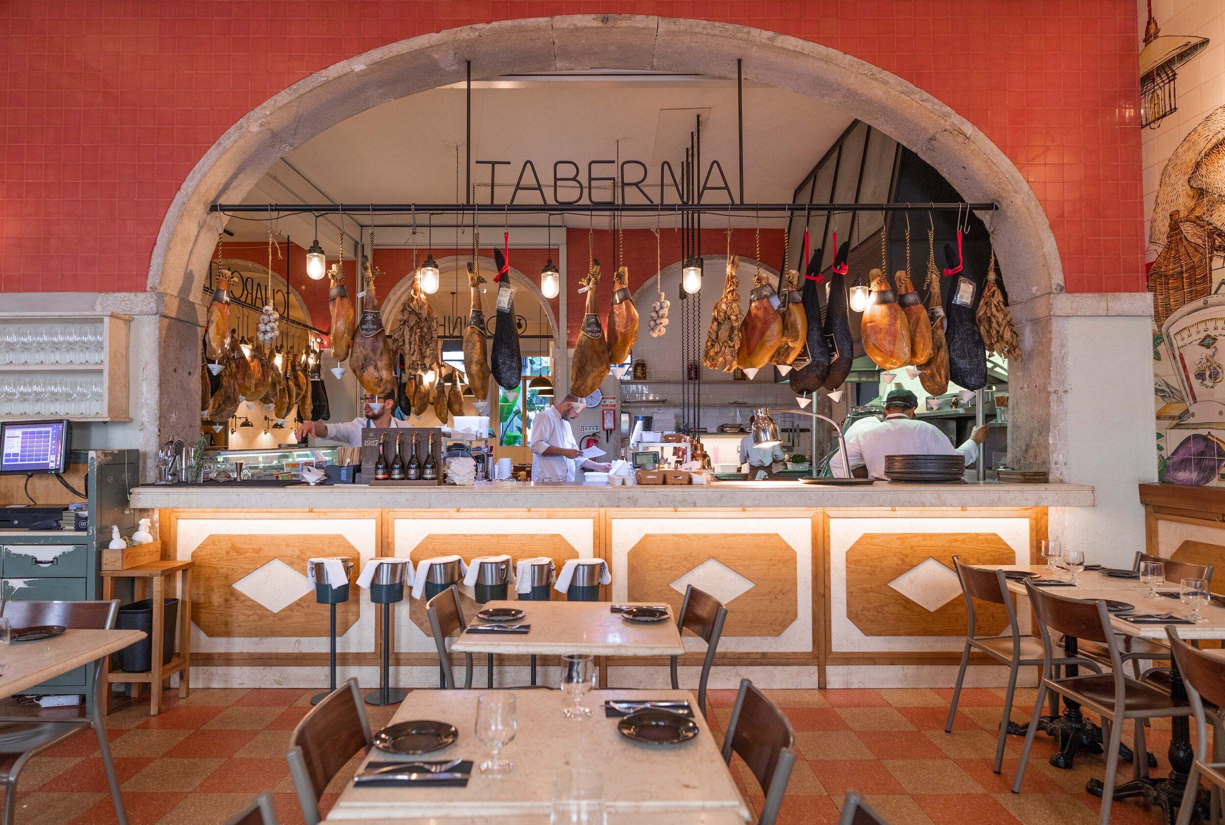 Inside Taberna Bairro do Avillez