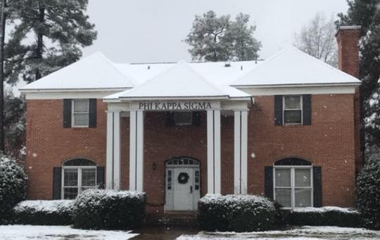 A rare snowy day here in Tuscaloosa
