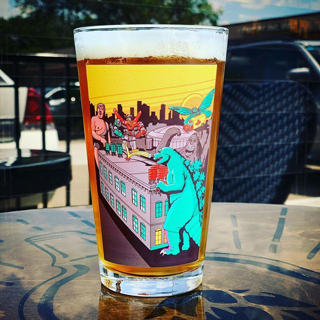 Need one more killer glass in your collection? We only have 11 tickets left for the @8thwonderbrew PreGame Pkg, which includes this handsome glass, three pours of three one off Beers and early drinking privileges on Sunday! Link is in our profile and on the FB event page! Tick tock... #sundayiscoming