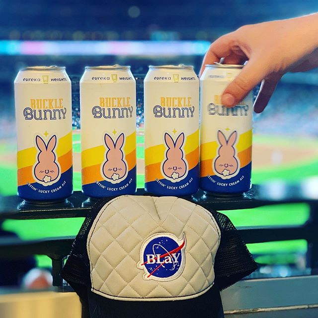 16oz Buckle Bunny at Minute Maid Park and soon Beers Looking At You! Keep it local, support the home team! #craftnotcrap #bucklebunny @astrosbaseball @eurekaheights