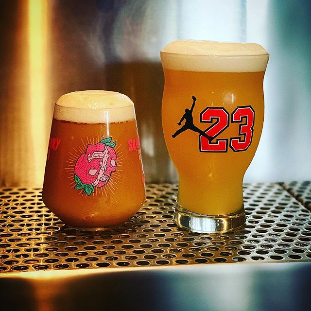 @realalebrewing even is live. Limited  glassware and plenty of tasty brews. #23yearhazy #skullberry #axis #wallball