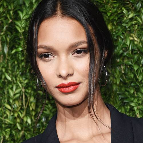A Sports Illustrated Model Spills on the Products She Uses to Get Photo-Ready - BYRDIE