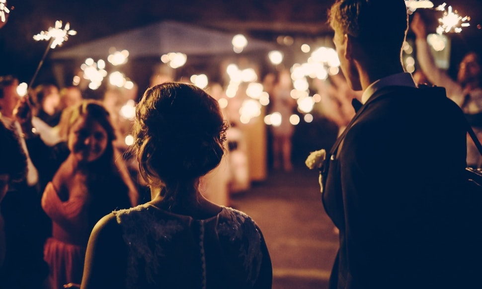 27 Unconventional Wedding Songs for Unconventional Couples - BUSTLE05.09.16