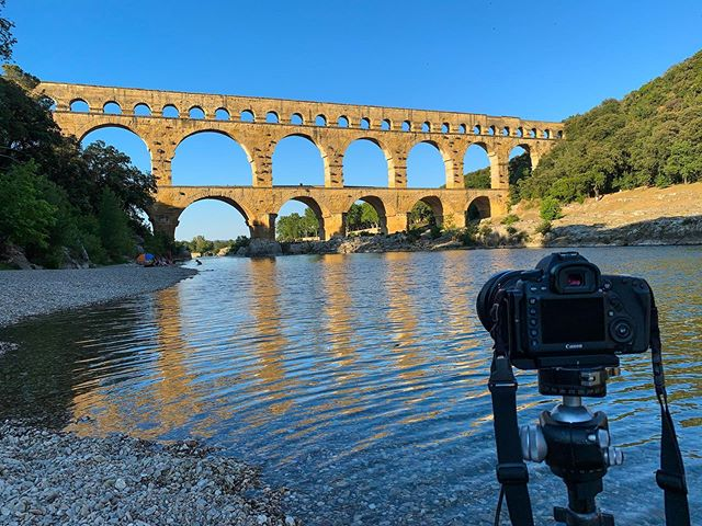 Pont du Gard at sunset, made it just in time! #instadaily #artofvisuals #aov #expatlife #expatgenius #travelphotography #france #travelgram #instamood #moodygrams #europe #agameoftones #ruins #travel #nofilter #pontdugard #southoffrance #sunset