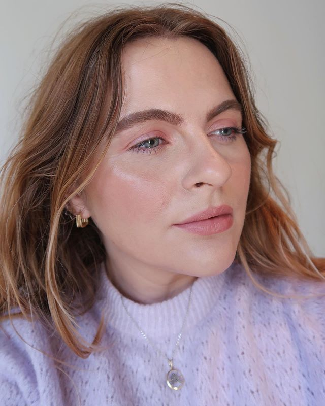Want to step inside my beauty-obsessed brain and see all my skincare and makeup recommendations? It's easy, just tap the link in bio and have a browse ✨ . . . #beautyadvice #makeupedit #skincaretips #skincareproducts #skincaretips #beautytips #bbloggers #beautyideas