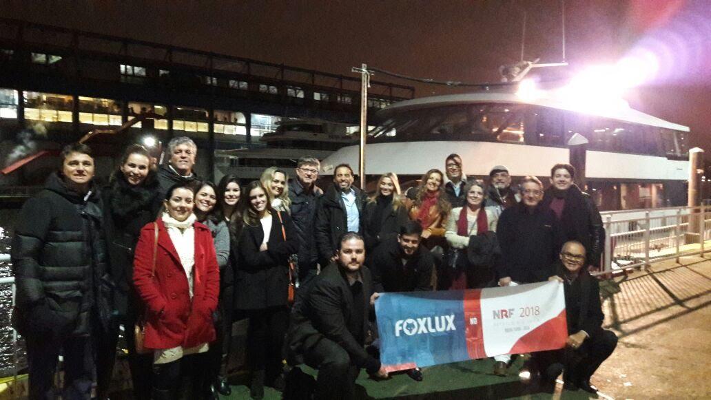 O time G8+Foxlux em Nova York, para prestigiar a feira da NRF.
