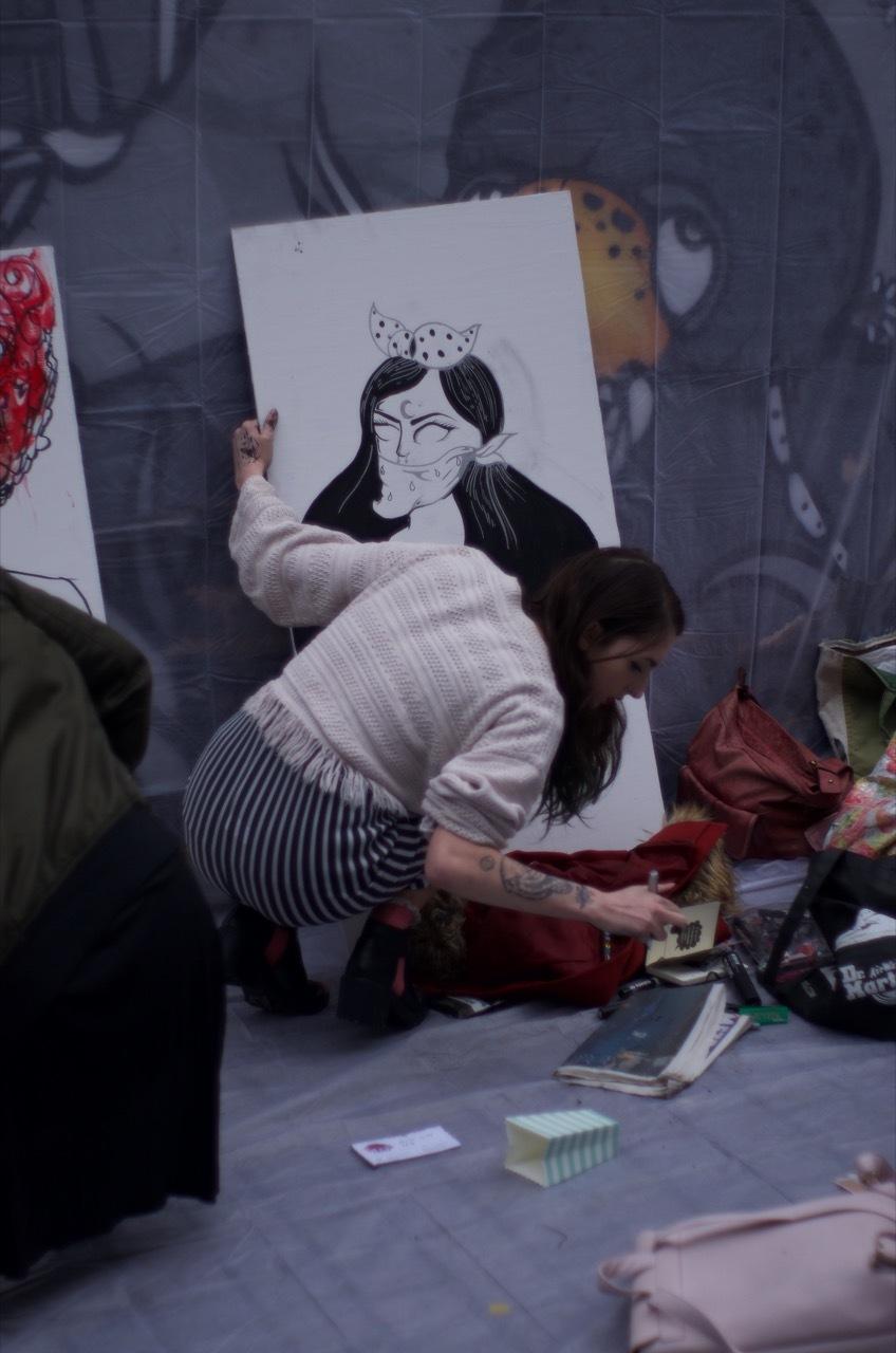 Kelsey Bryan (goddamn_i_am) live paint @Mudfest. Photo by Tom Errington.