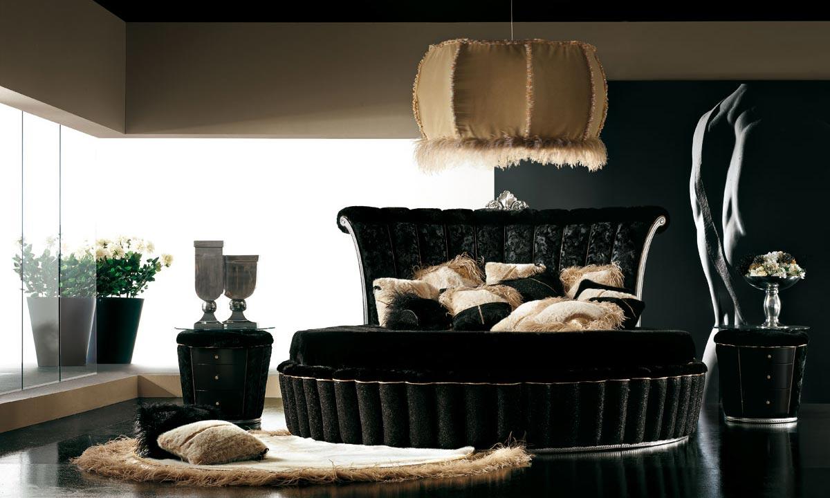 Black Lush Bedroom