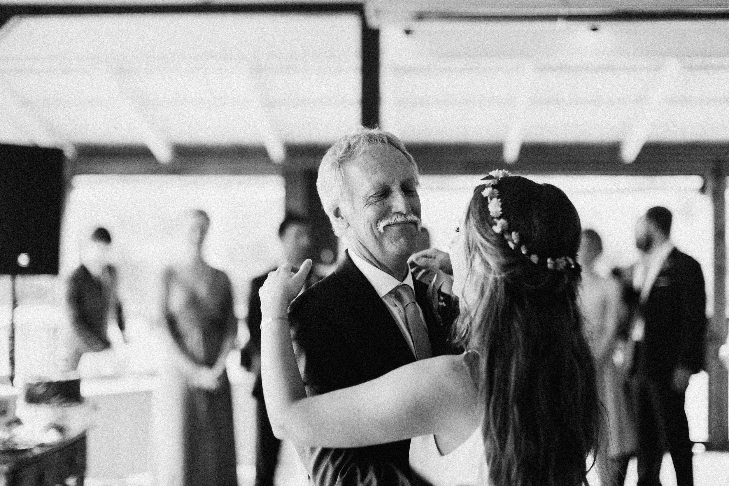 glen_ella_meadow_creekside_atlanta_wedding_photographers_2011.jpg