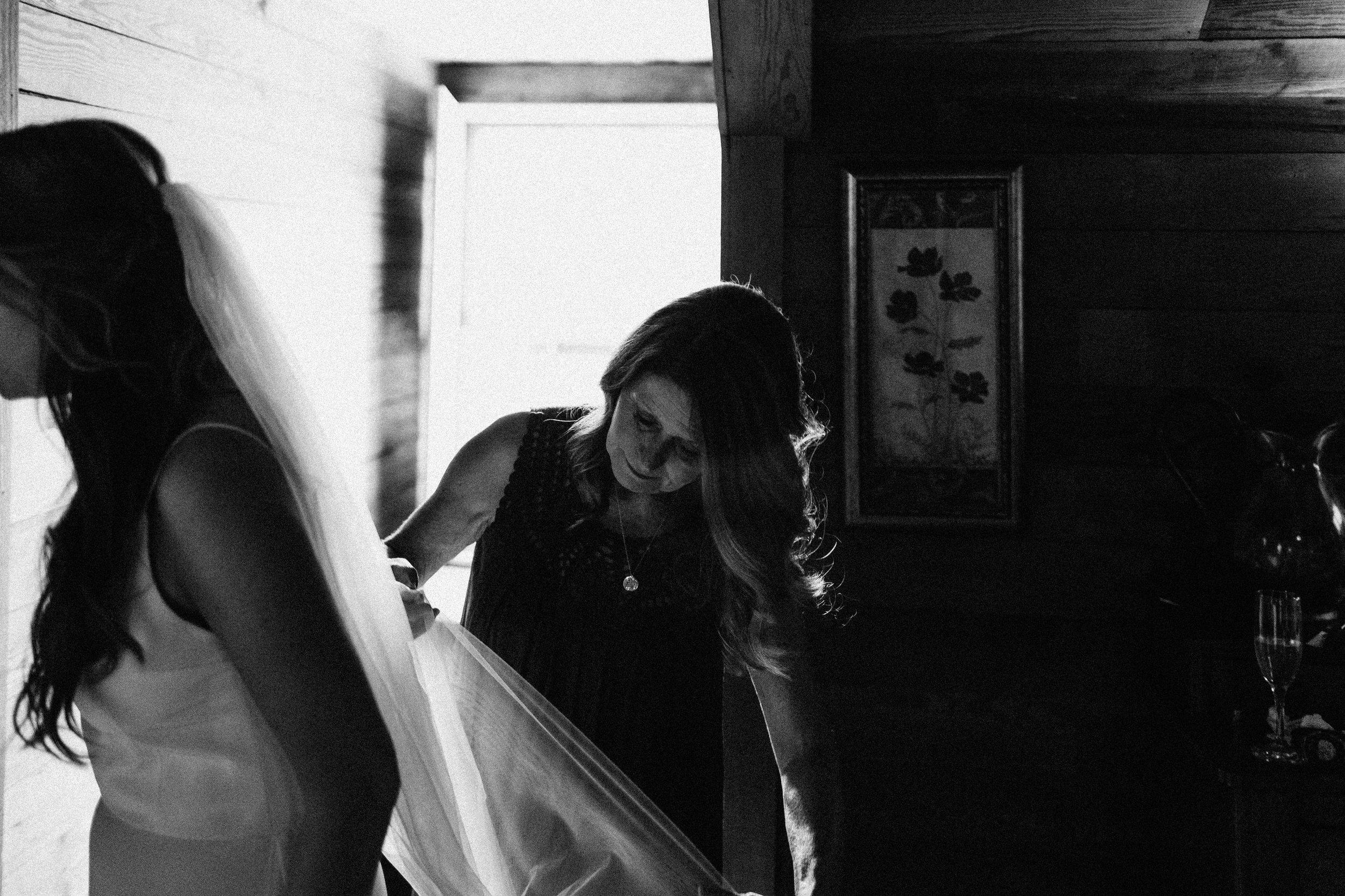 glen_ella_meadow_creekside_atlanta_wedding_photographers_1212.jpg