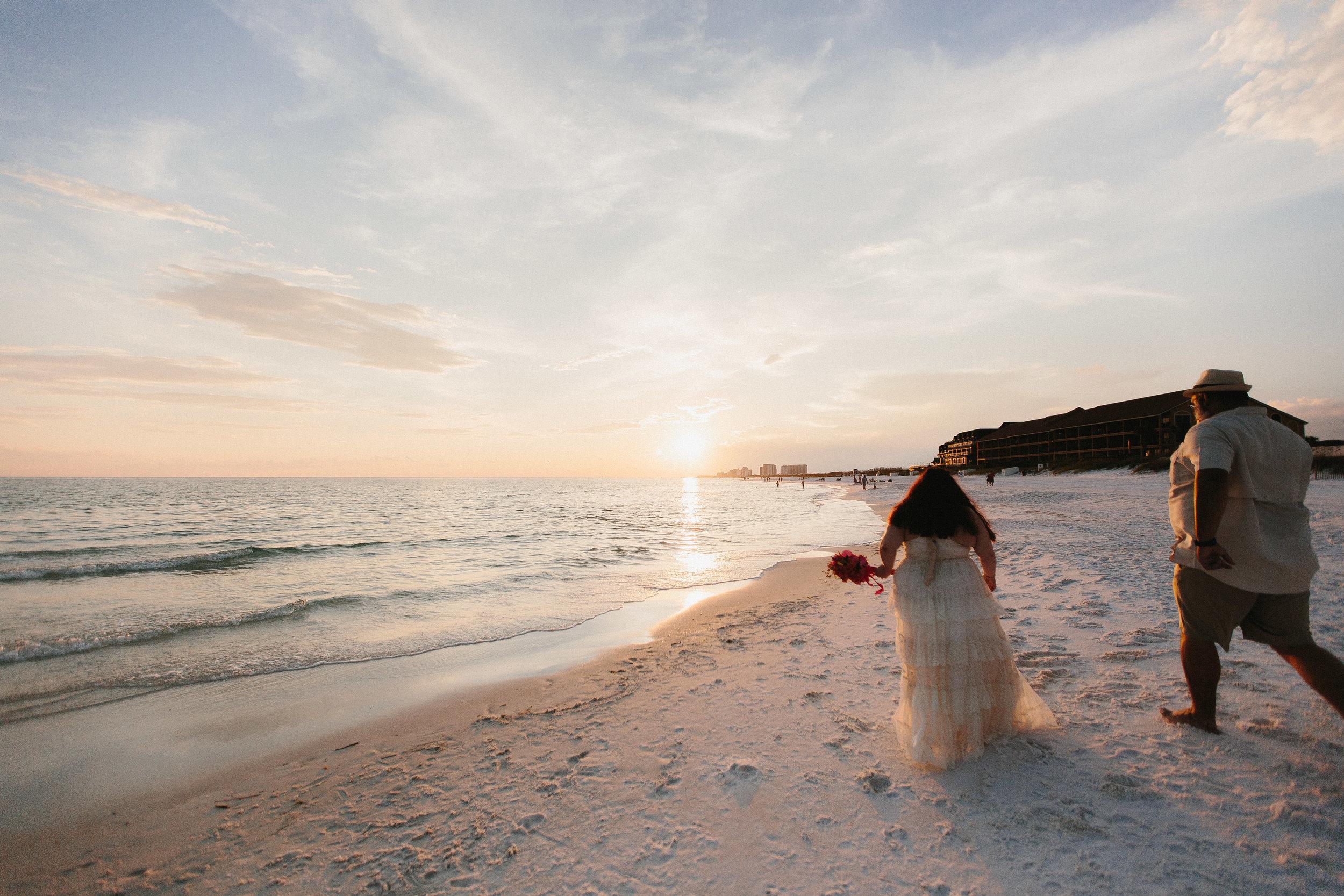 destin_sunset_beach_elopement_intimate_wedding_photographer_florida_documentary_1301.jpg