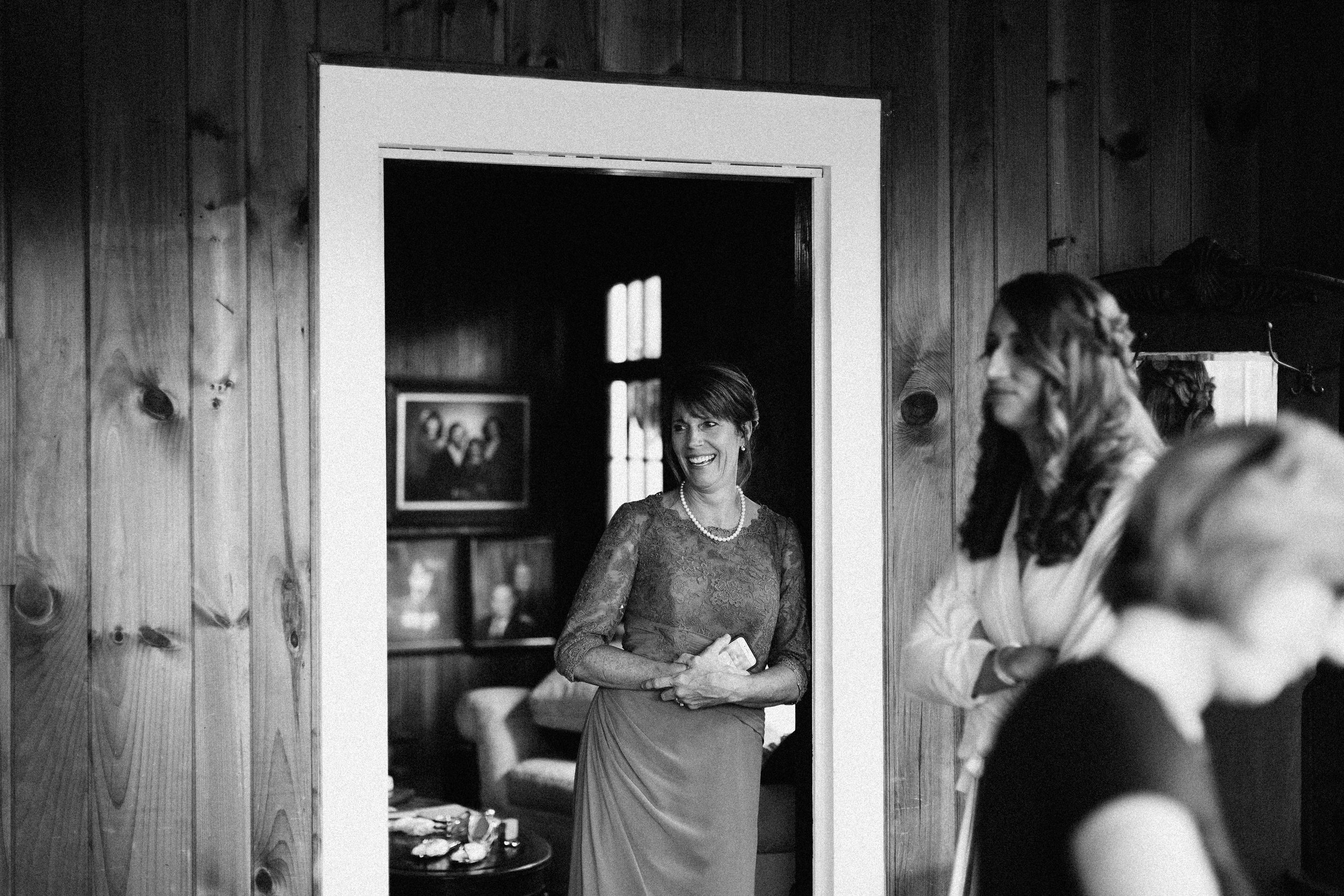 cleveland_georgia_mountain_laurel_farm_natural_classic_timeless_documentary_candid_wedding_emotional_photojournalism_river_west_1147.jpg