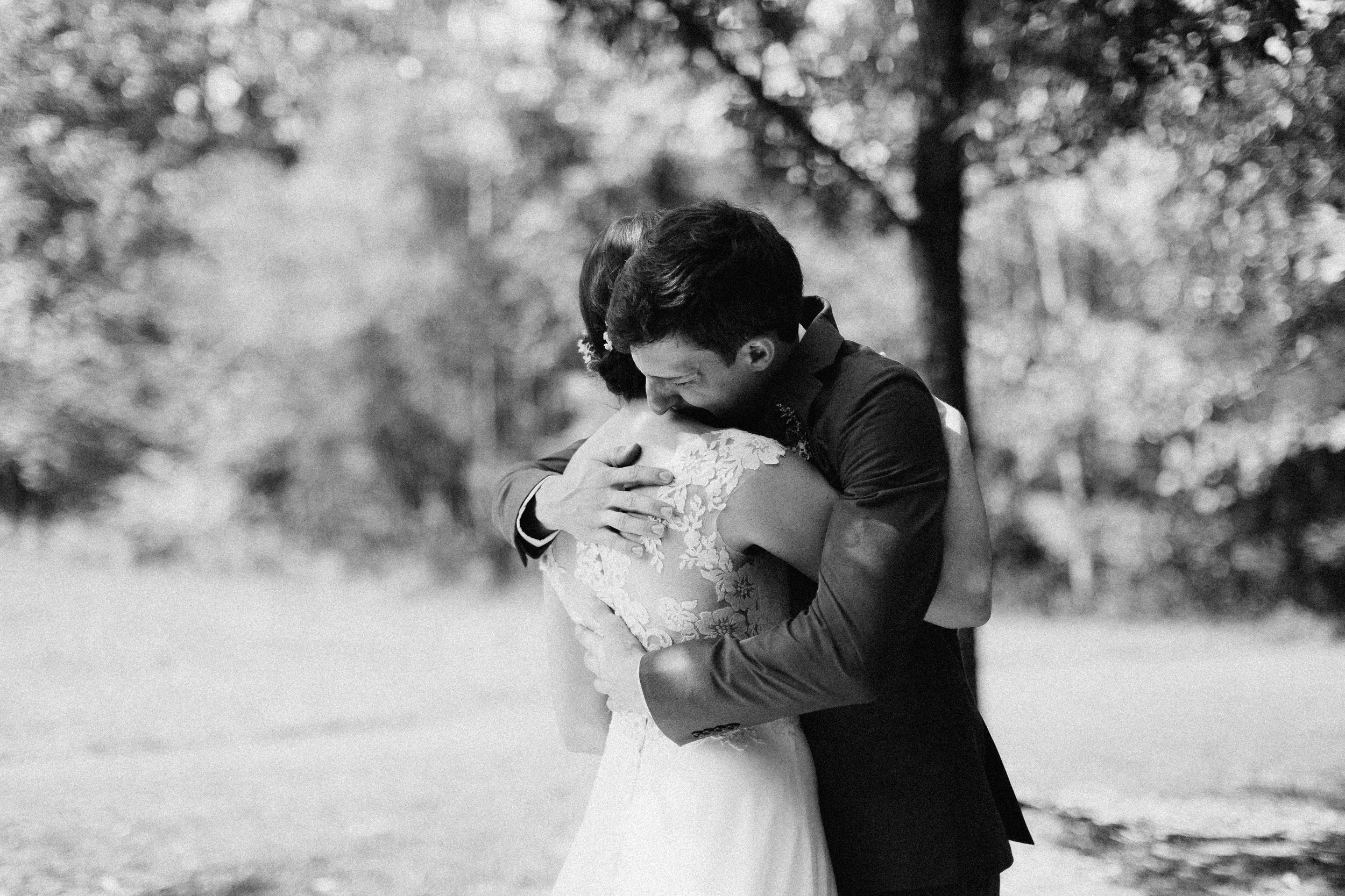 cleveland_georgia_mountain_laurel_farm_natural_classic_timeless_documentary_candid_wedding_emotional_photojournalism_river_west_1244.jpg