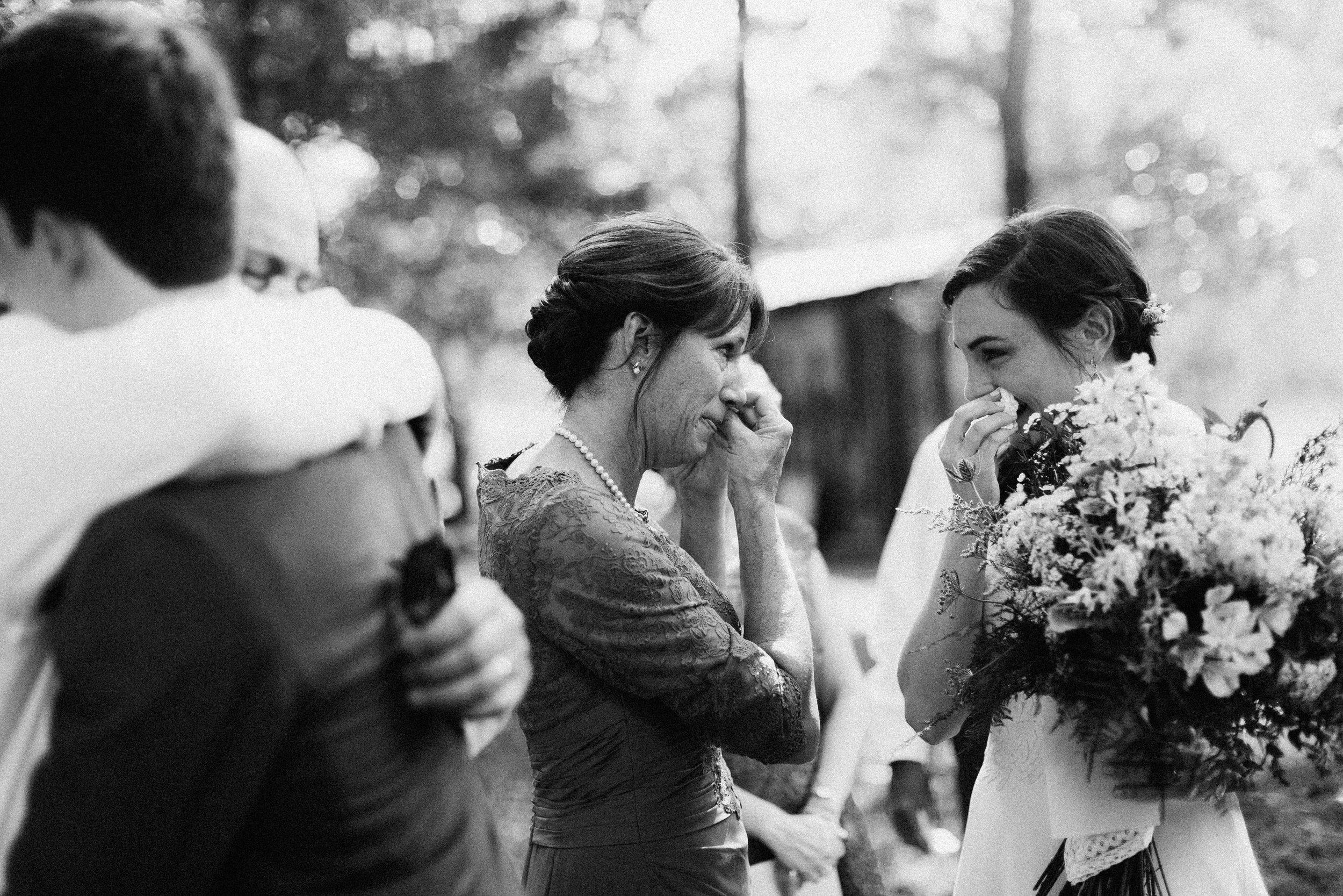 cleveland_georgia_mountain_laurel_farm_natural_classic_timeless_documentary_candid_wedding_emotional_photojournalism_river_west_1276.jpg