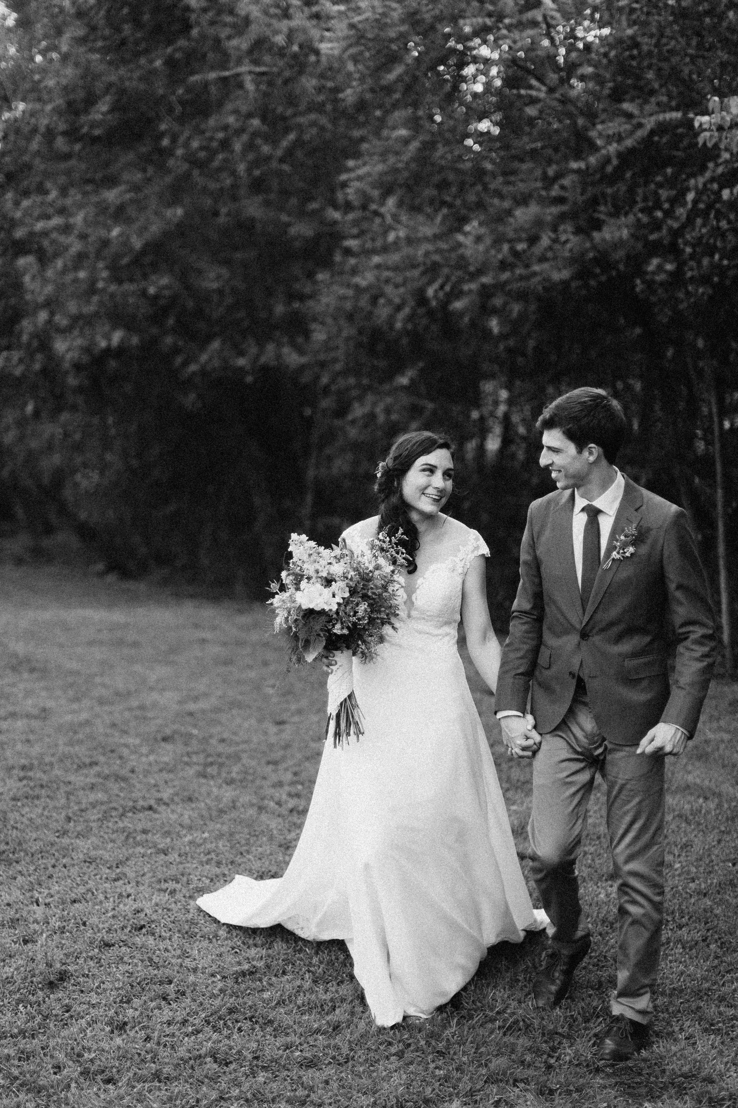cleveland_georgia_mountain_laurel_farm_natural_classic_timeless_documentary_candid_wedding_emotional_photojournalism_river_west_1478.jpg