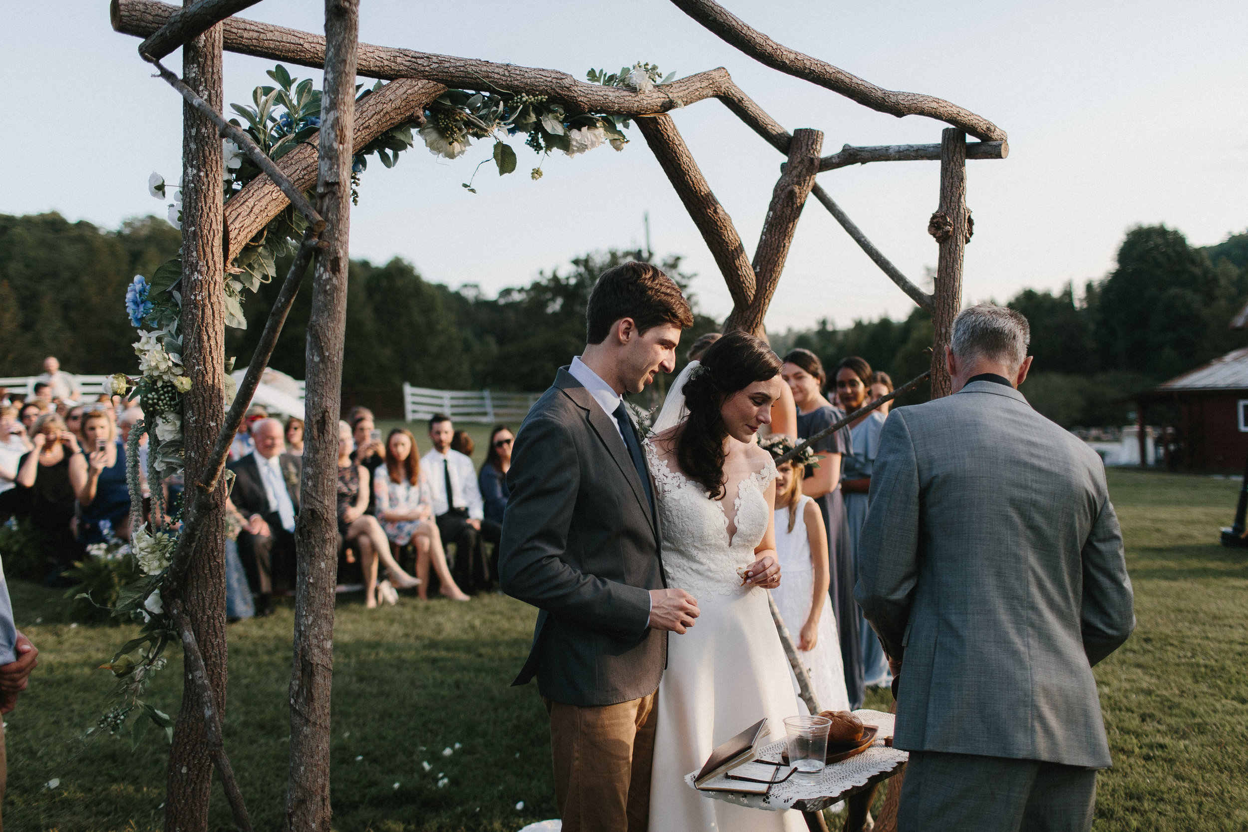 cleveland_georgia_mountain_laurel_farm_natural_classic_timeless_documentary_candid_wedding_emotional_photojournalism_river_west_1681.jpg