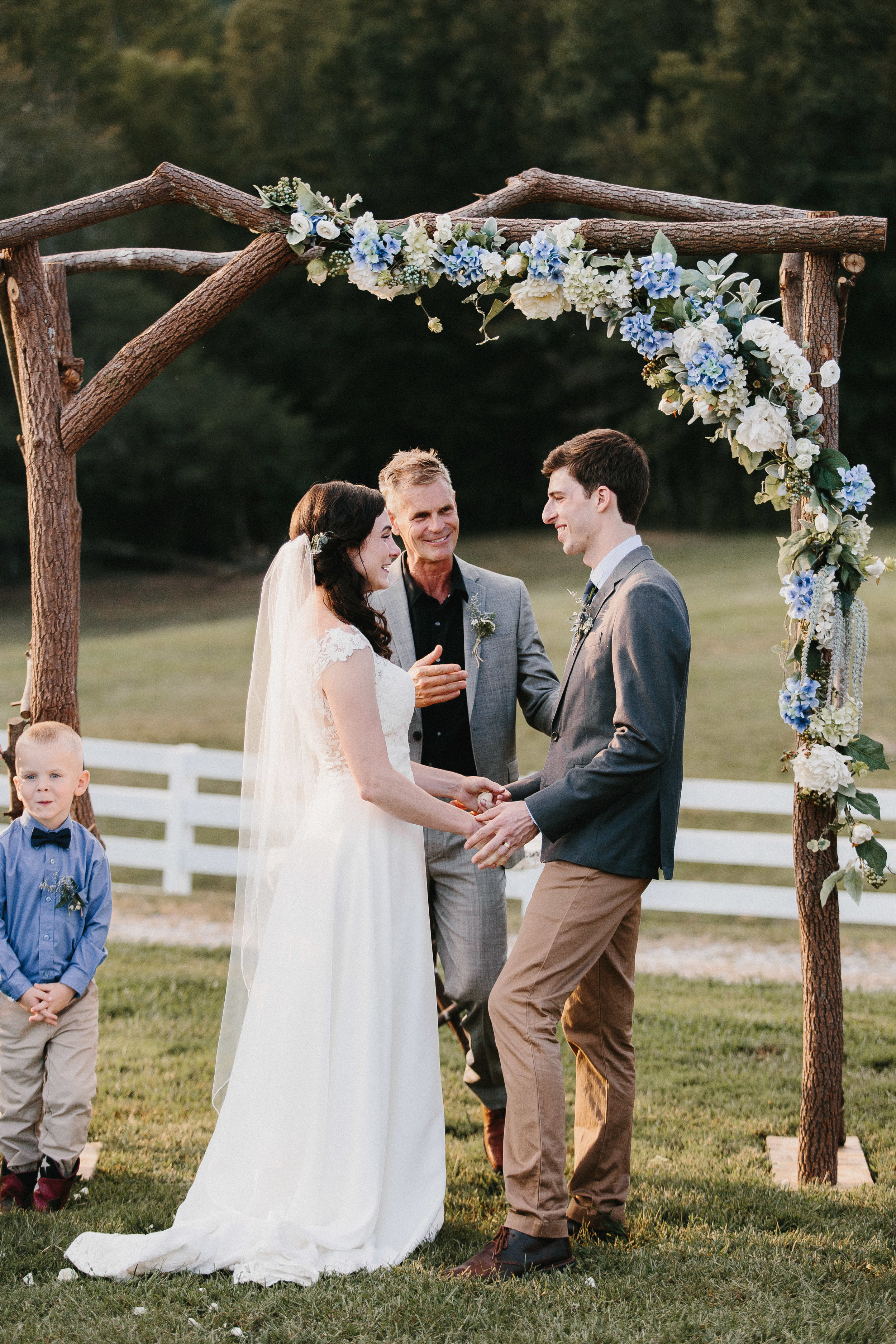 cleveland_georgia_mountain_laurel_farm_natural_classic_timeless_documentary_candid_wedding_emotional_photojournalism_river_west_1695.jpg