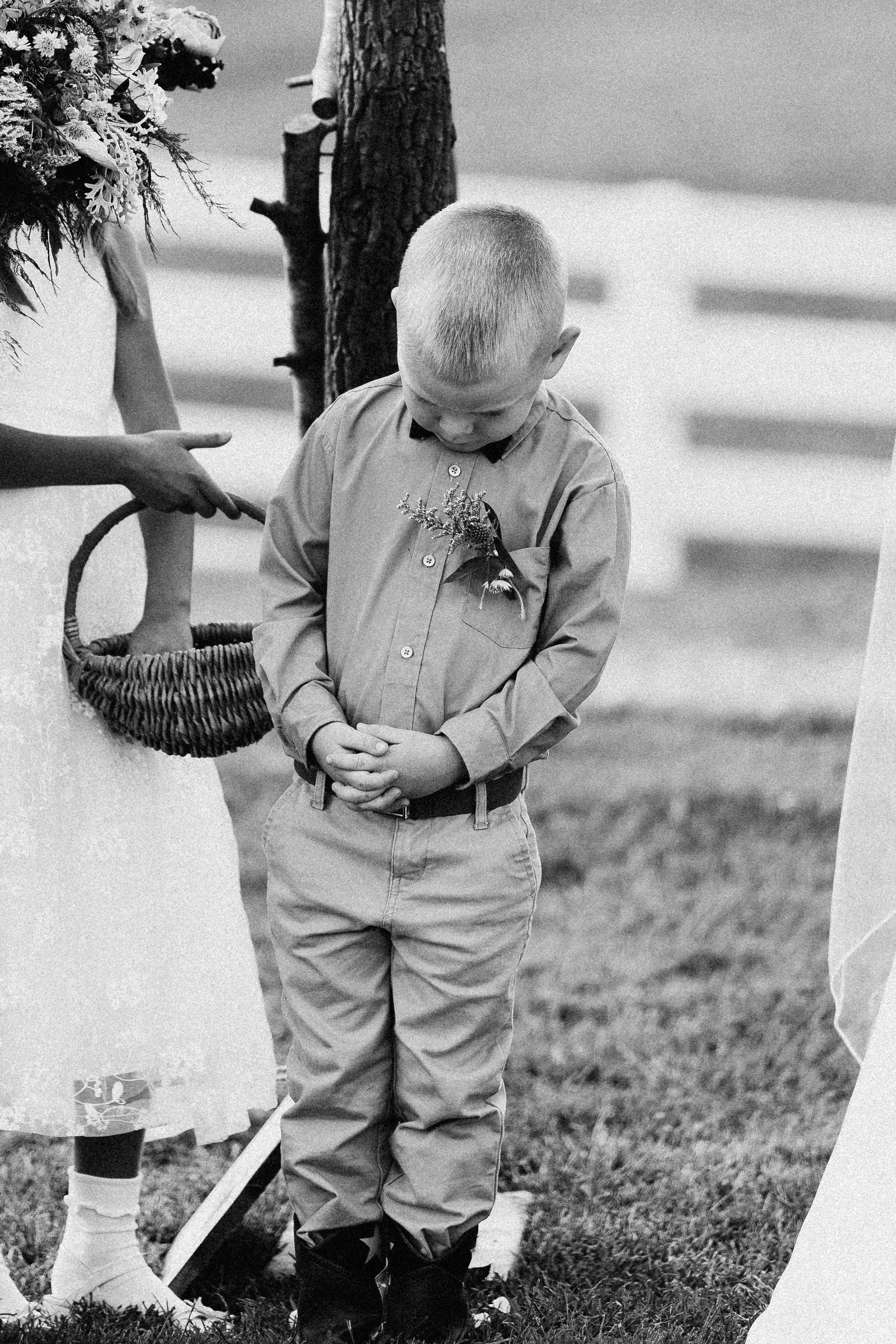 cleveland_georgia_mountain_laurel_farm_natural_classic_timeless_documentary_candid_wedding_emotional_photojournalism_river_west_1690.jpg