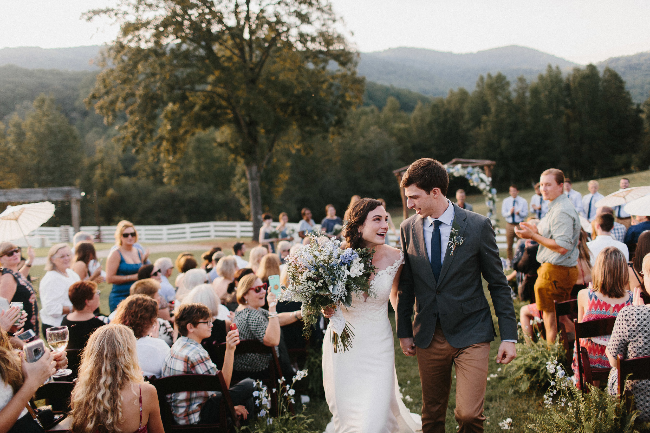 cleveland_georgia_mountain_laurel_farm_natural_classic_timeless_documentary_candid_wedding_emotional_photojournalism_river_west_1710.jpg