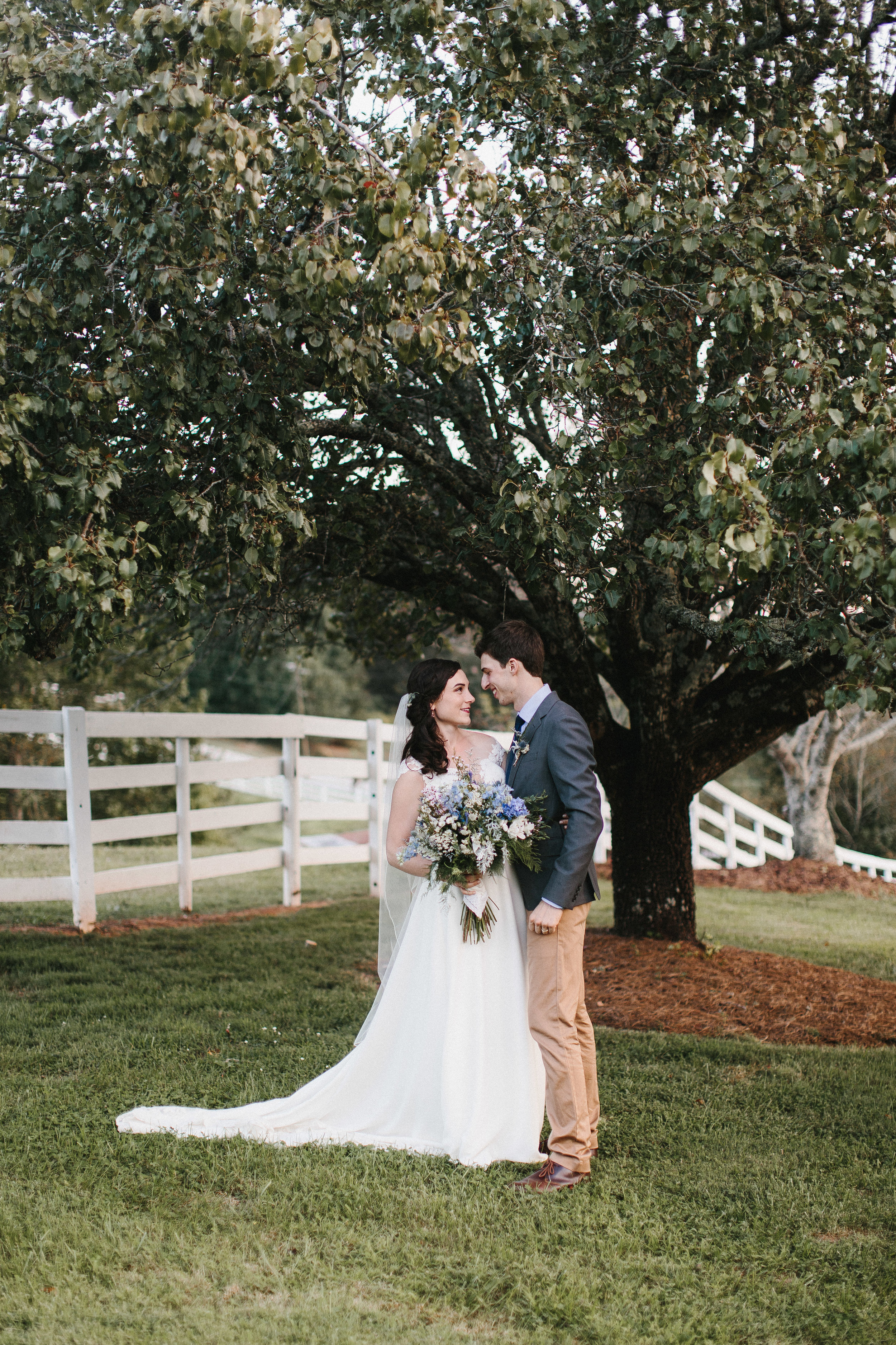cleveland_georgia_mountain_laurel_farm_natural_classic_timeless_documentary_candid_wedding_emotional_photojournalism_river_west_1781.jpg