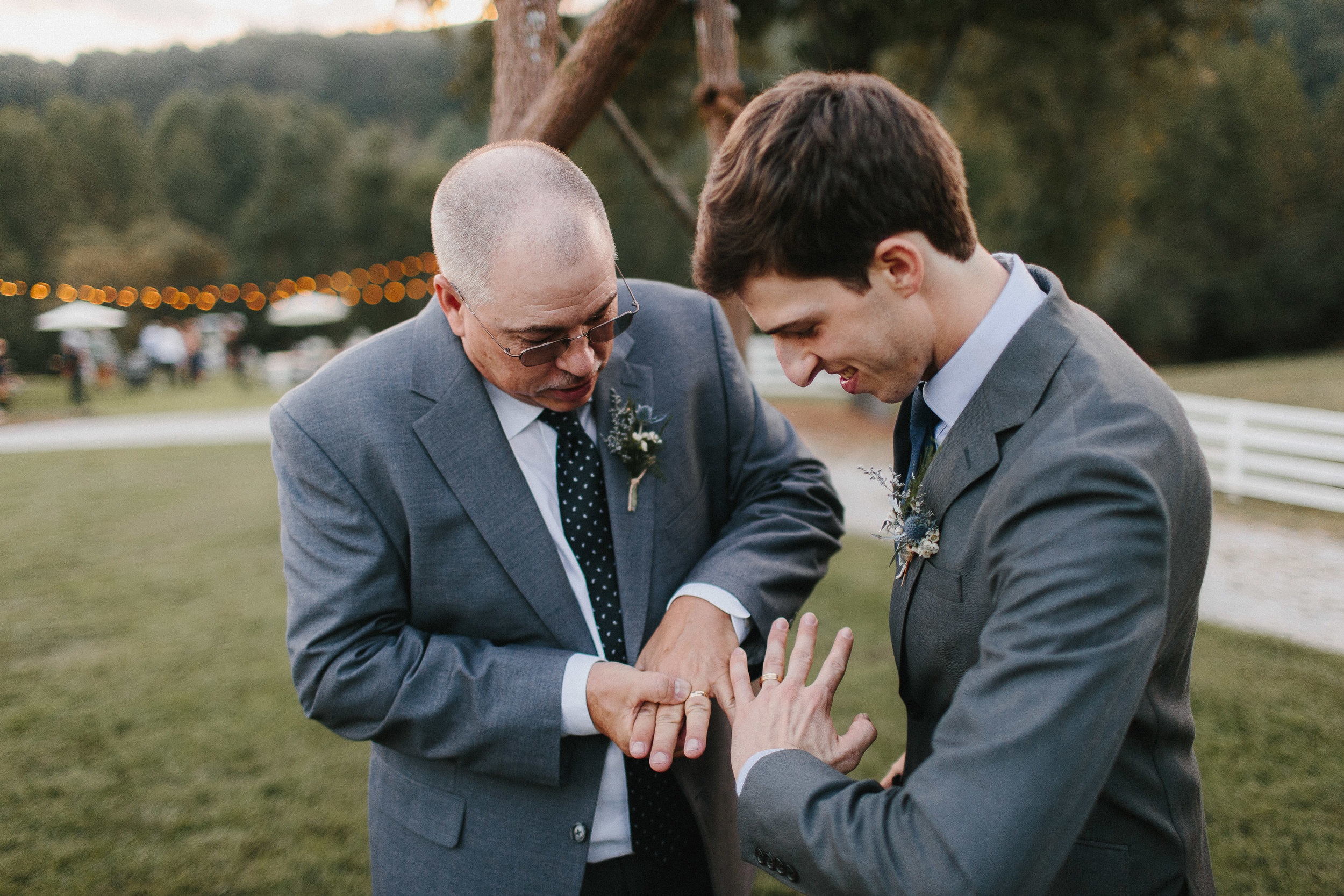 cleveland_georgia_mountain_laurel_farm_natural_classic_timeless_documentary_candid_wedding_emotional_photojournalism_river_west_1790.jpg