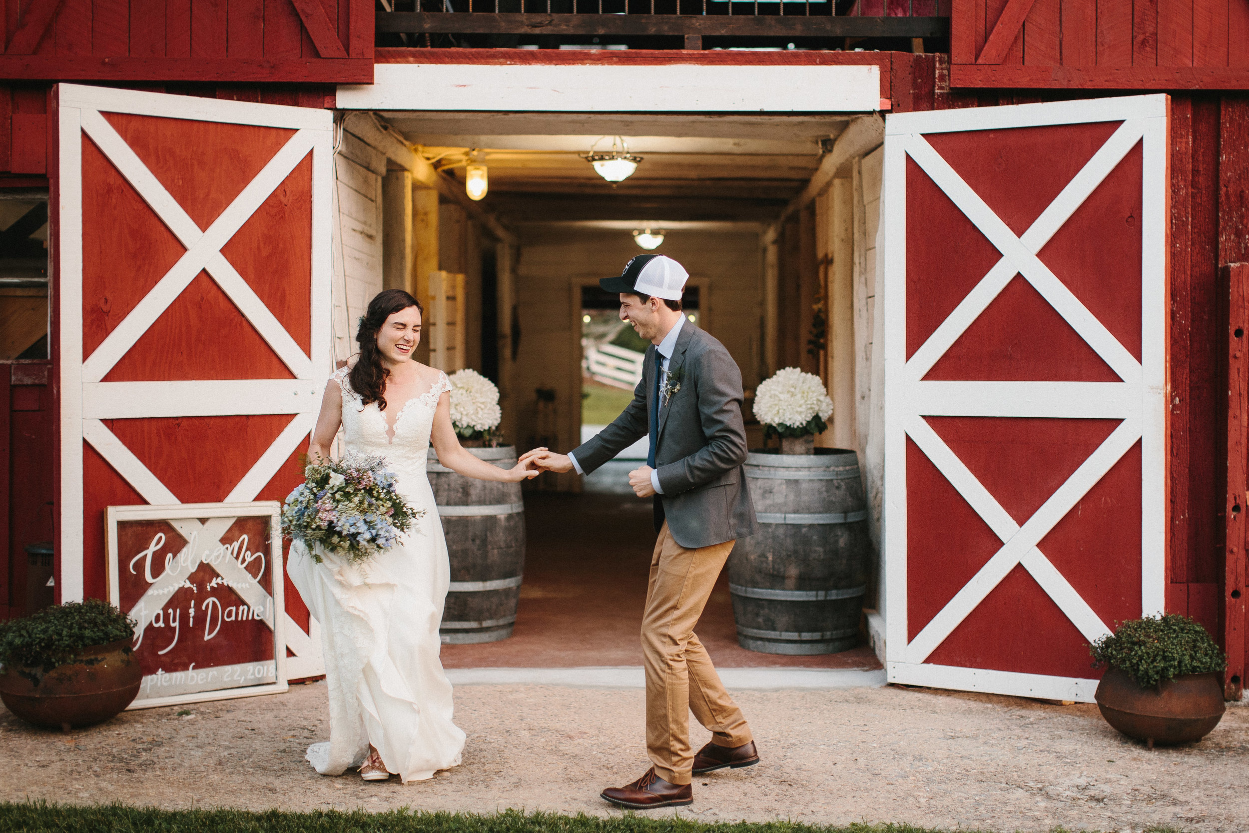 cleveland_georgia_mountain_laurel_farm_natural_classic_timeless_documentary_candid_wedding_emotional_photojournalism_river_west_1888.jpg