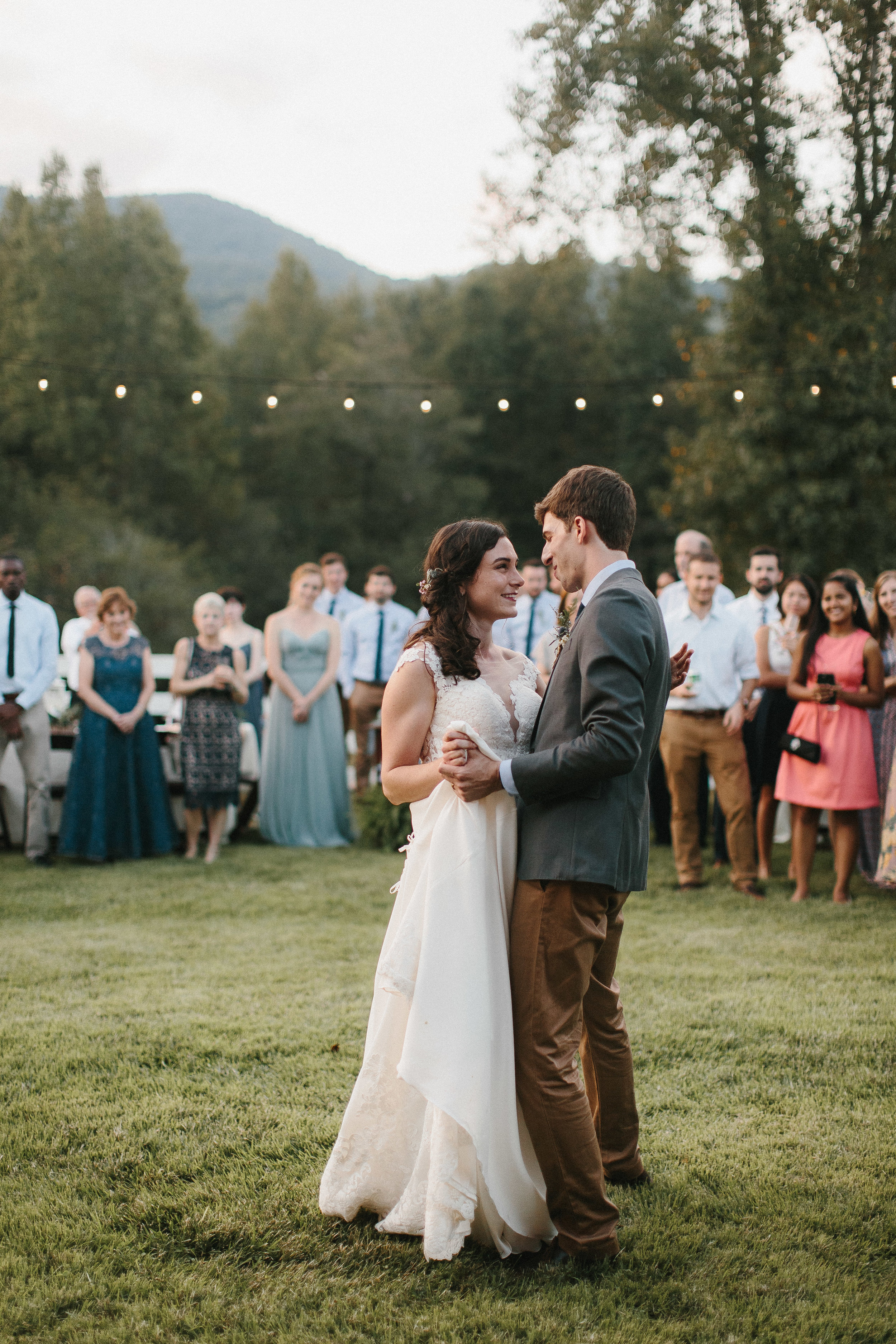 cleveland_georgia_mountain_laurel_farm_natural_classic_timeless_documentary_candid_wedding_emotional_photojournalism_river_west_1910.jpg