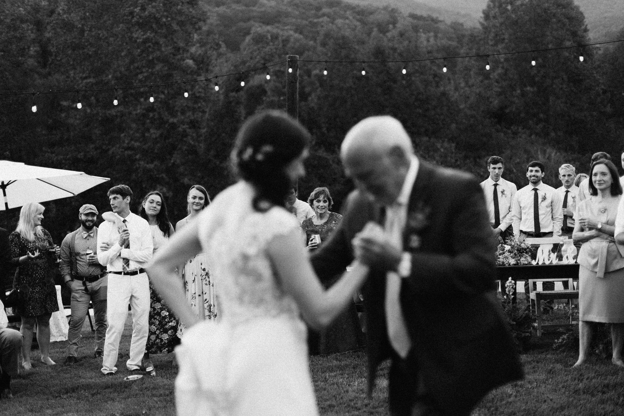 cleveland_georgia_mountain_laurel_farm_natural_classic_timeless_documentary_candid_wedding_emotional_photojournalism_river_west_1928.jpg