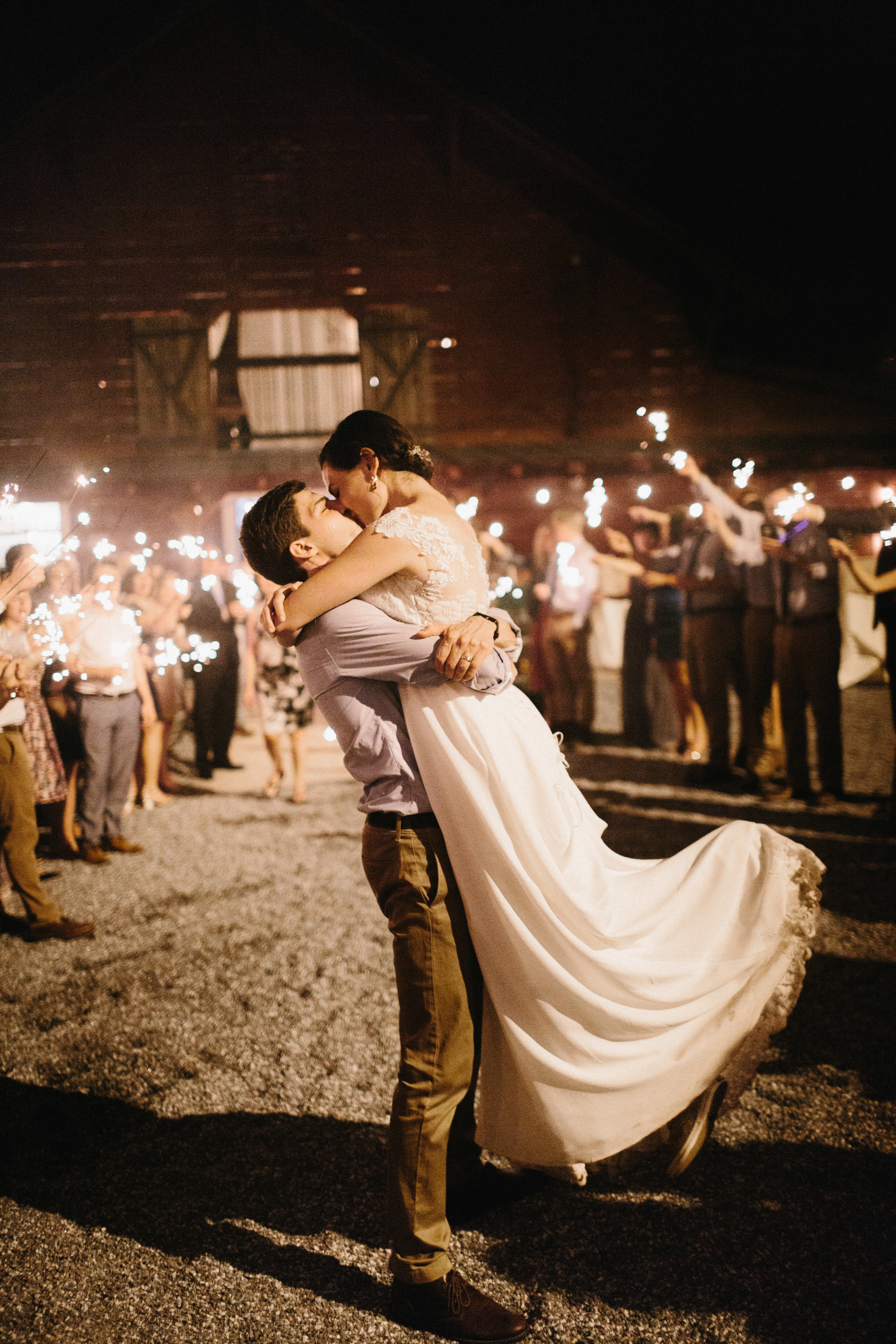 cleveland_georgia_mountain_laurel_farm_natural_classic_timeless_documentary_candid_wedding_emotional_photojournalism_river_west_2199.jpg