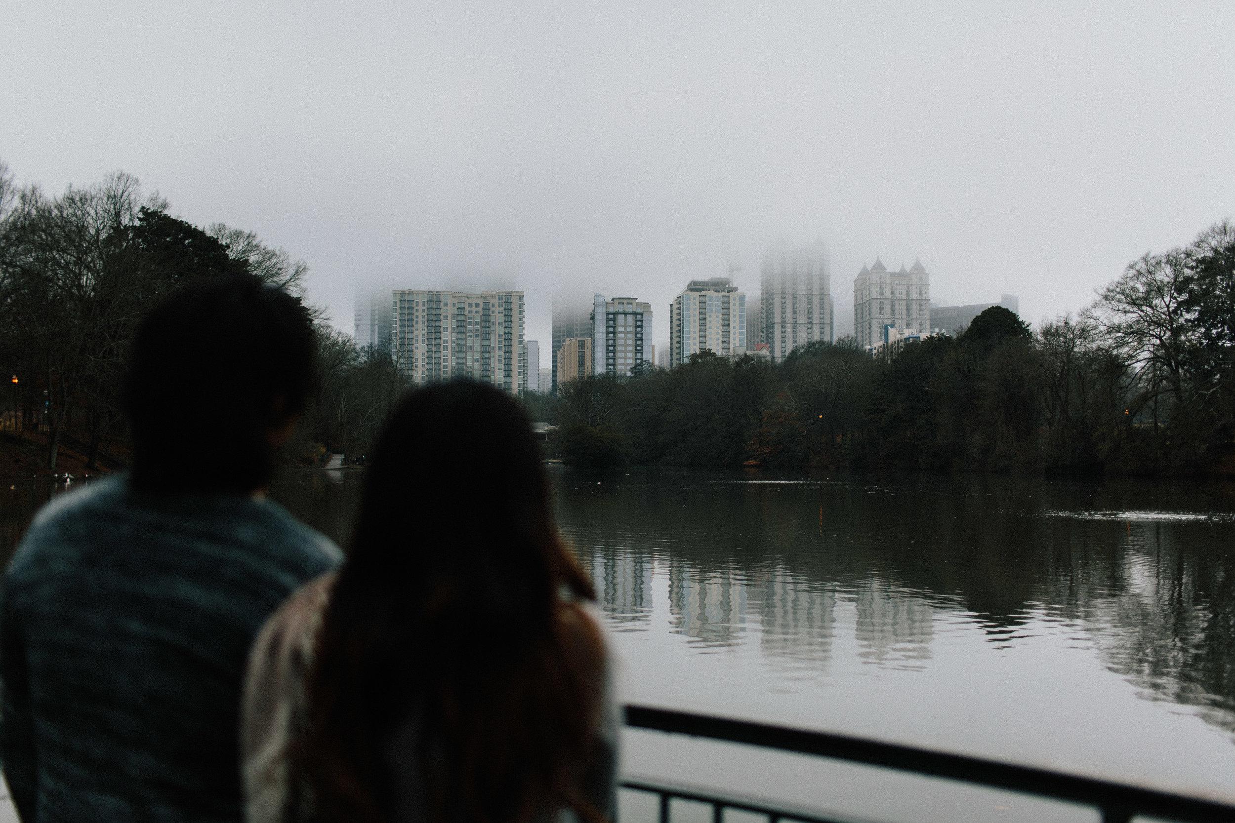 atlanta_gloomy_day_rainy_engagement_couple_lifestyle_fun_playful_artistic_georgia_photographer_2064.jpg