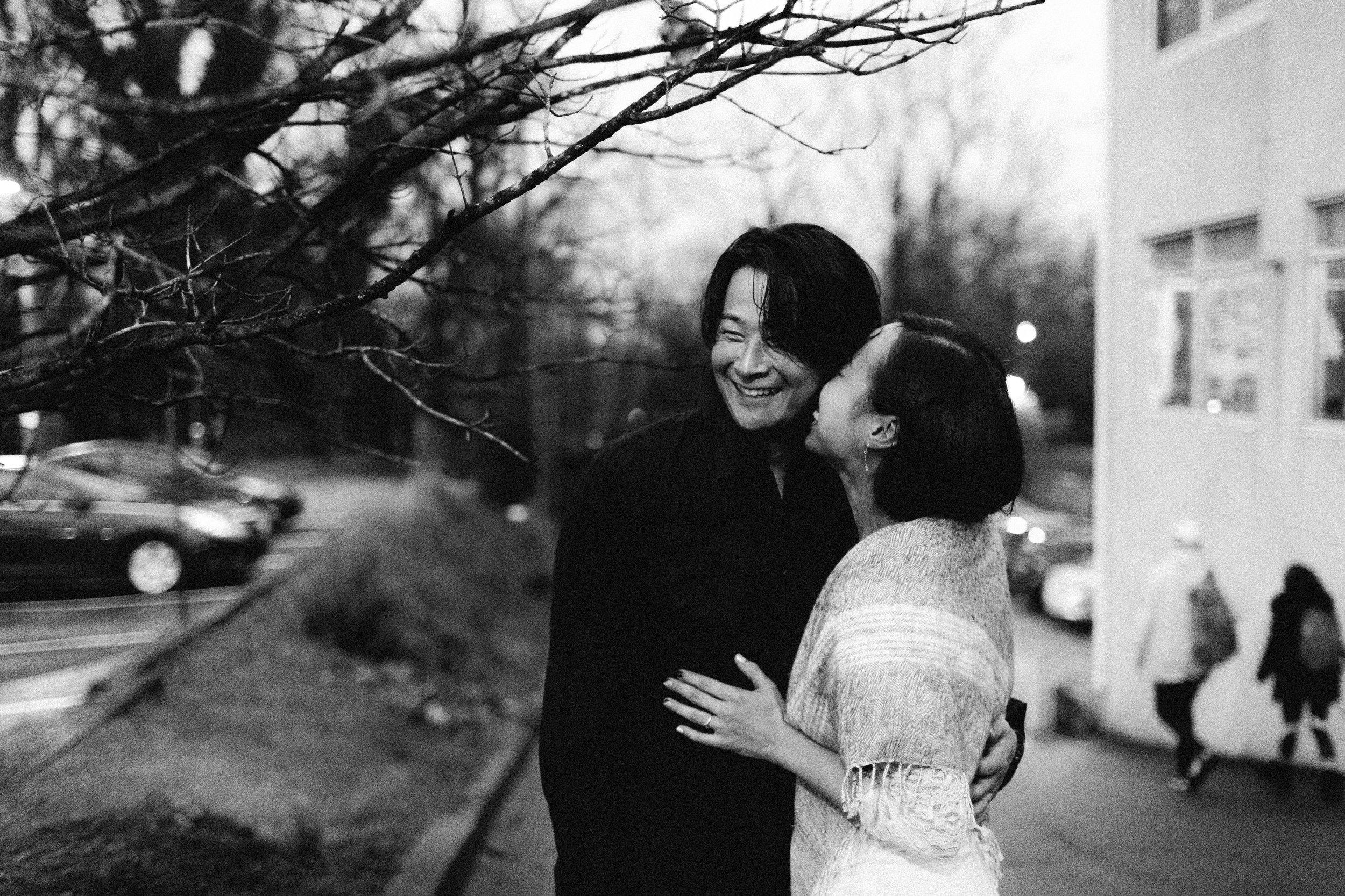 atlanta_gloomy_day_rainy_engagement_couple_lifestyle_fun_playful_artistic_georgia_photographer_2219.jpg