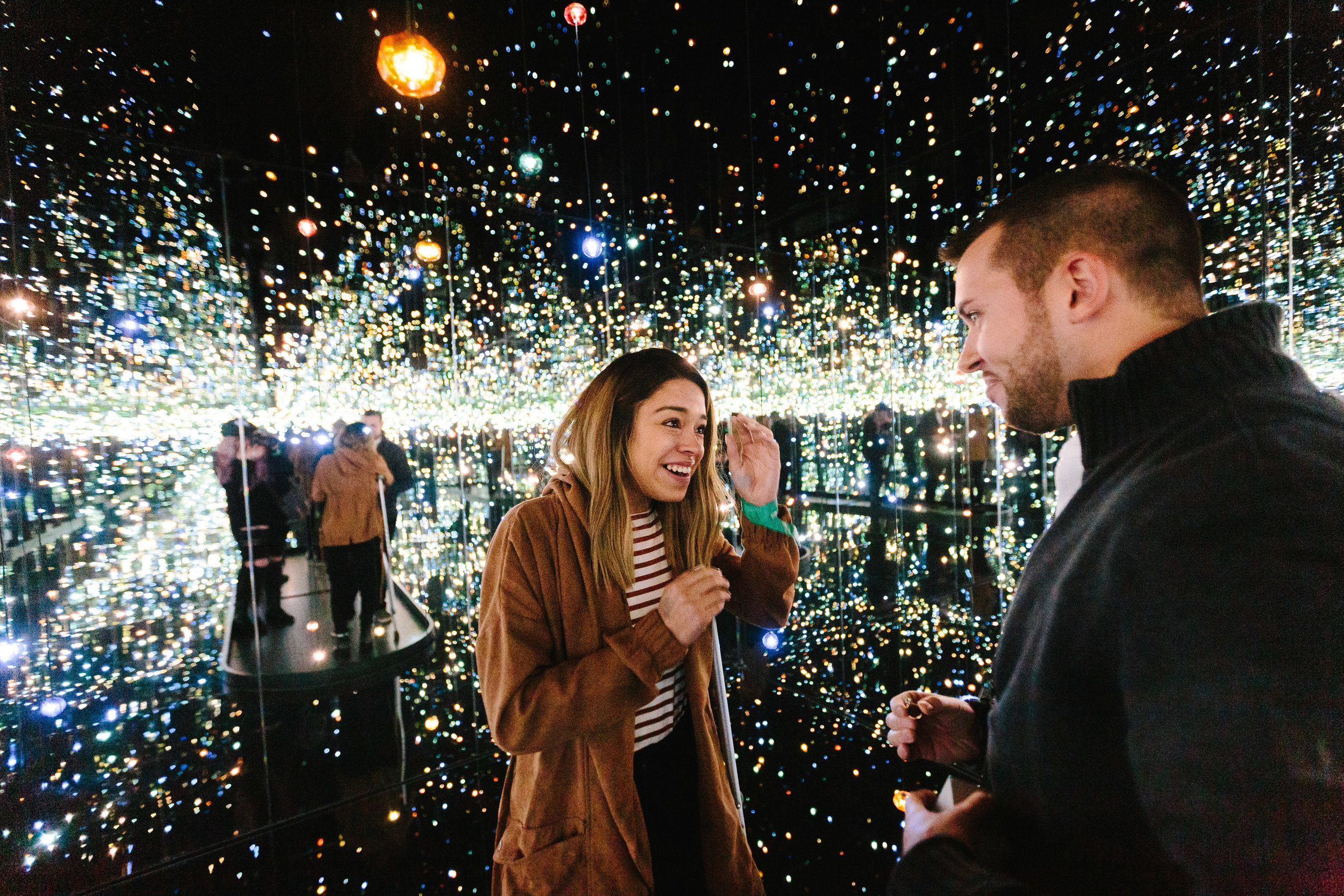 high_museum_infinity_mirrors_Yayoi_Kusama_proposal_amazing_atlanta_real_couple_engagement_ideas_epic_1010.jpg