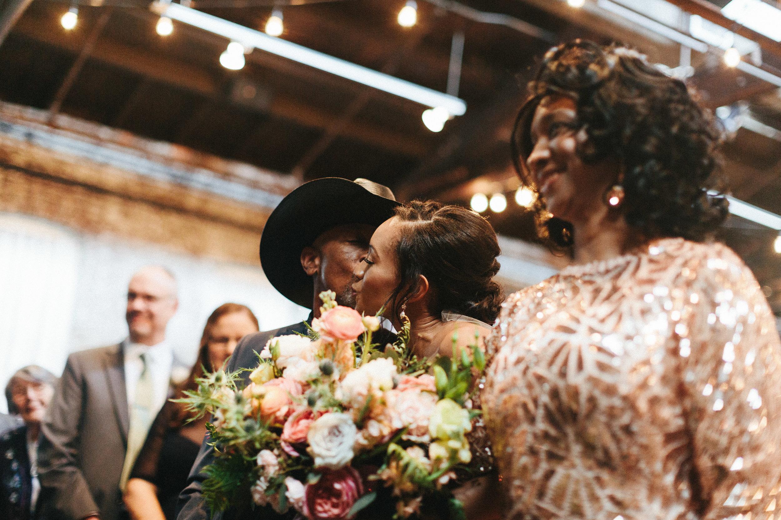 king_plow_atlanta_wedding_art_gallery_modern_lifestyle_documentary_1473.jpg