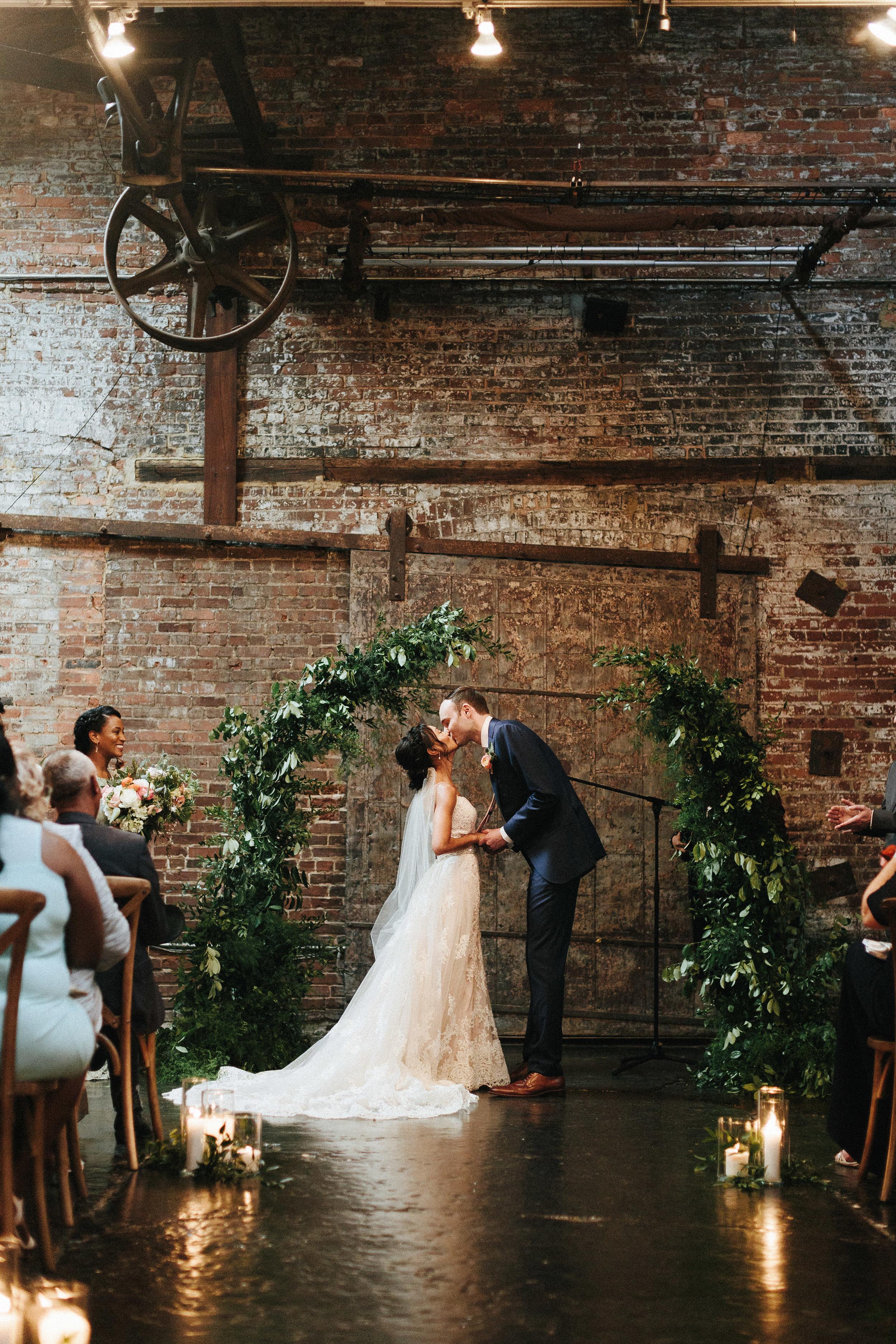 king_plow_atlanta_wedding_art_gallery_modern_lifestyle_documentary_1526.jpg