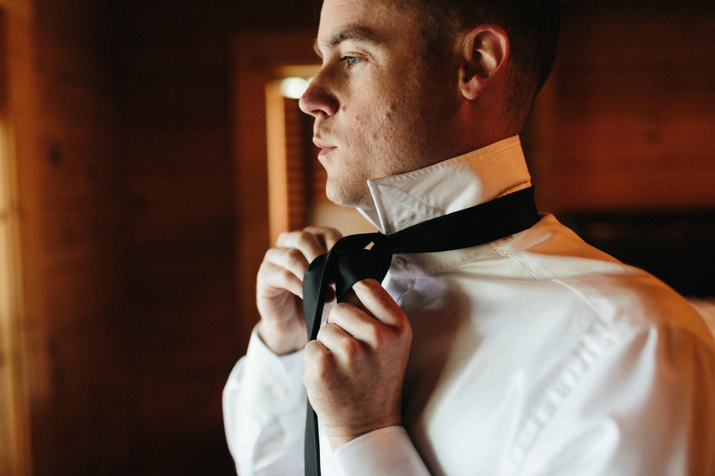 ellijay_cabin_intimate_wedding_georgia_geometric_altar_bridal_cape_diy_1215.jpg
