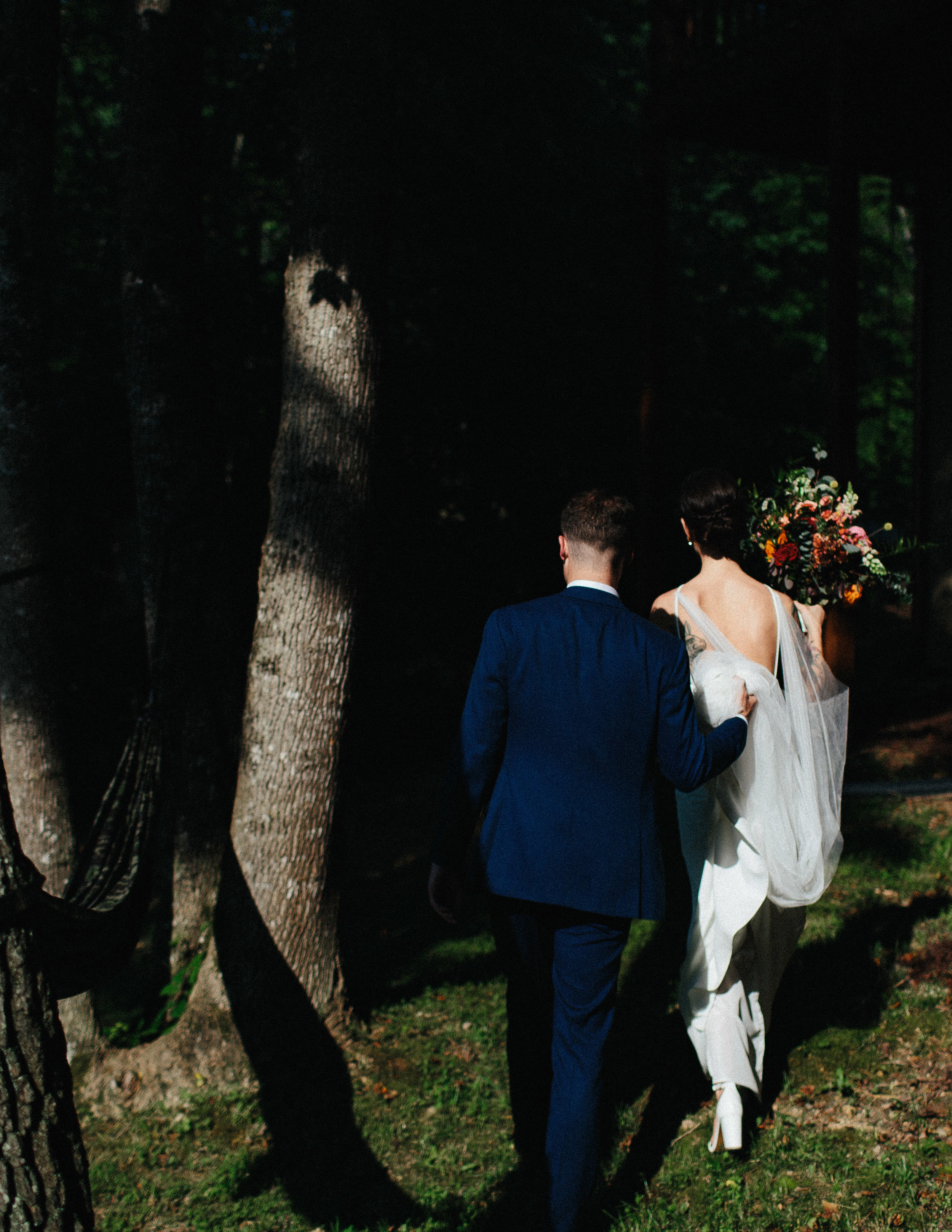 ellijay_cabin_intimate_wedding_georgia_geometric_altar_bridal_cape_diy_1543.jpg