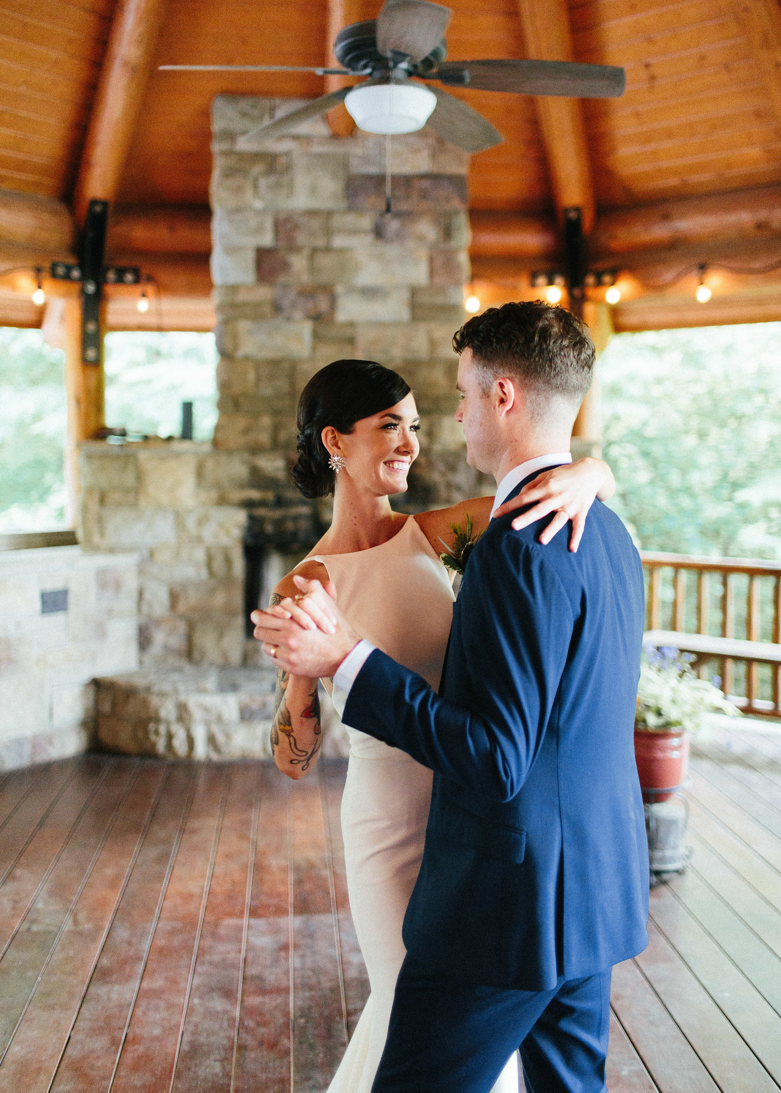 ellijay_cabin_intimate_wedding_georgia_geometric_altar_bridal_cape_diy_1755.jpg