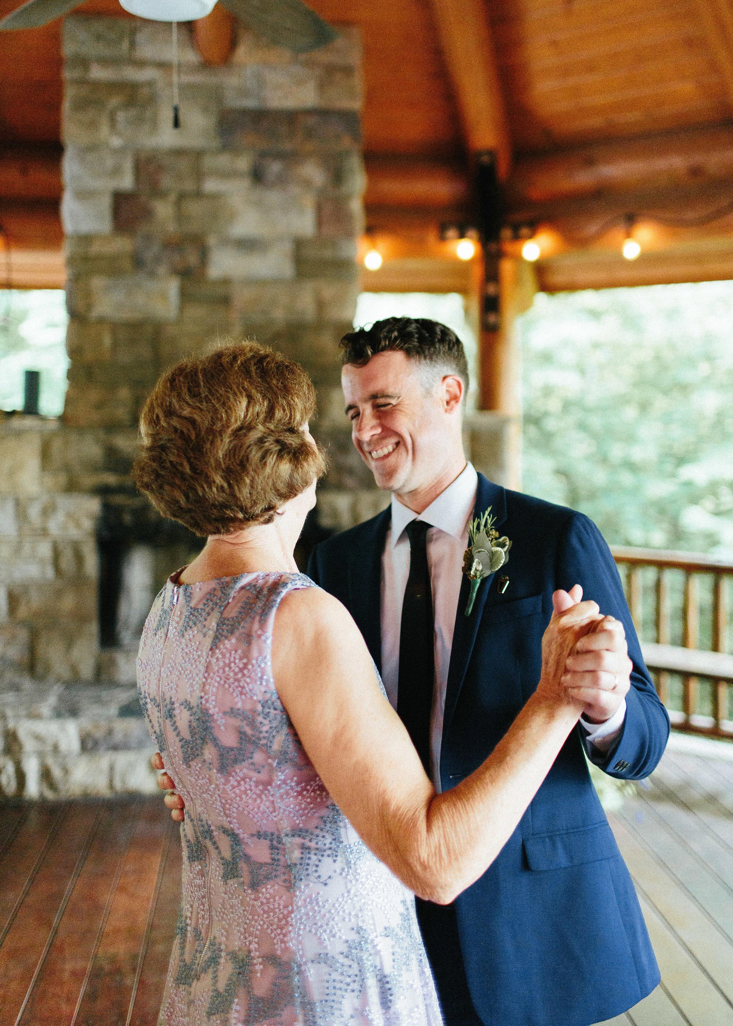 ellijay_cabin_intimate_wedding_georgia_geometric_altar_bridal_cape_diy_1793.jpg