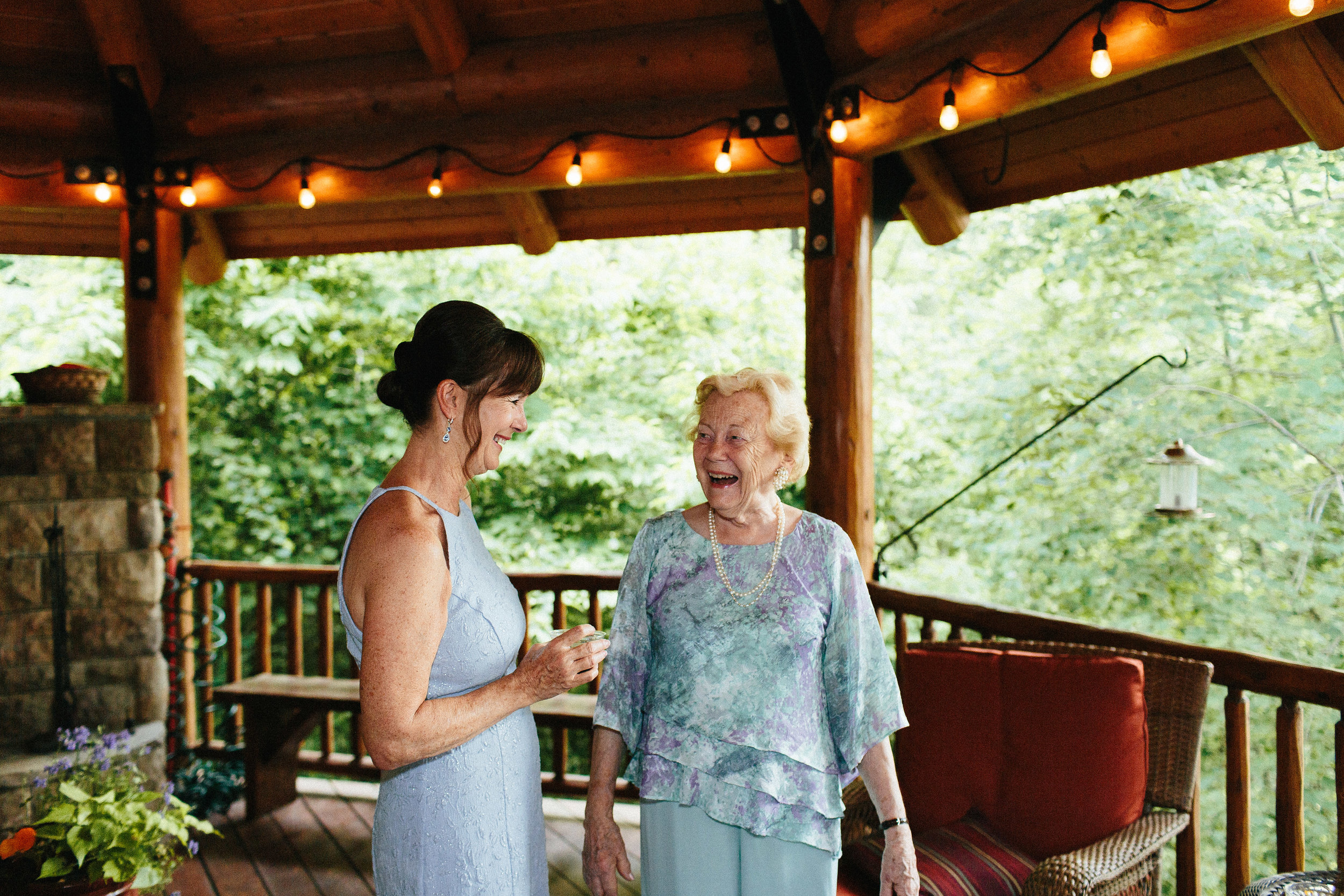 ellijay_cabin_intimate_wedding_georgia_geometric_altar_bridal_cape_diy_1845.jpg