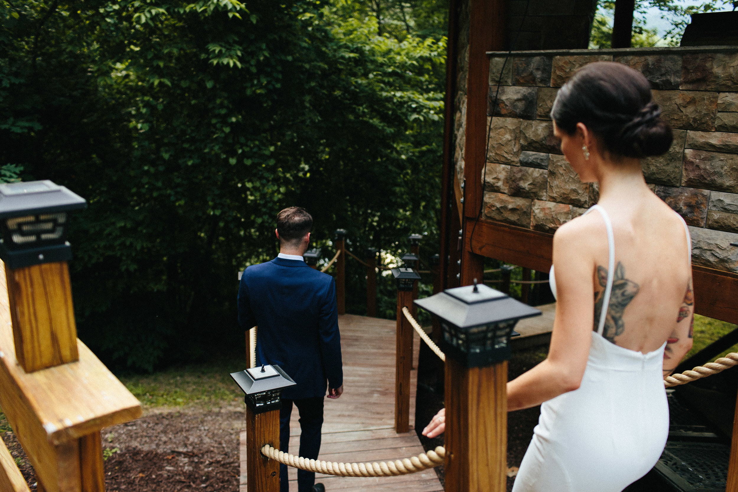 ellijay_cabin_intimate_wedding_georgia_geometric_altar_bridal_cape_diy_1847.jpg
