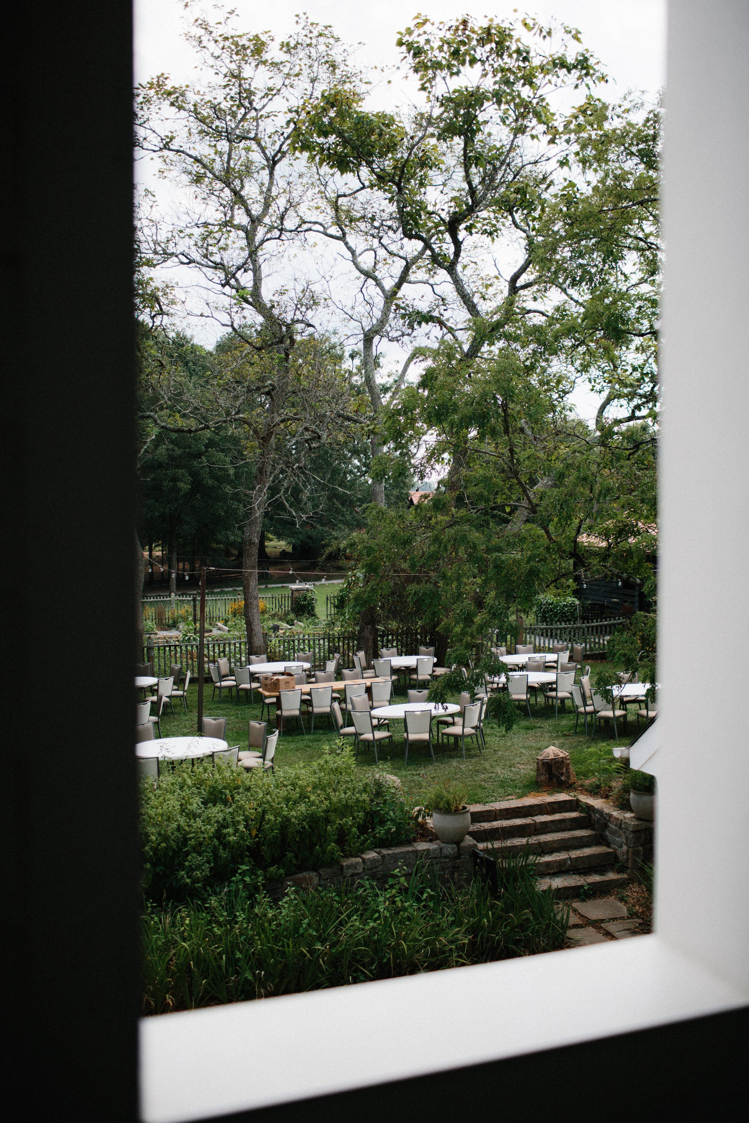 serenbe_forest_summer_wedding_farmhouse_guest_house_garden_3000.jpg