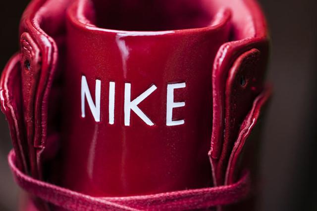 luxurious-patent-leather-nike-dunks-04-e1433294752942.jpg
