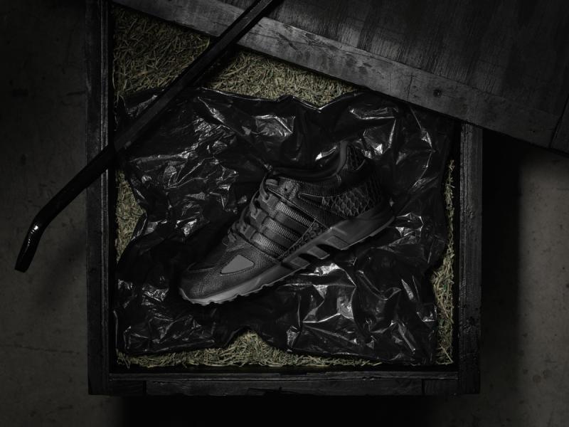 adidas_KingPush_ProductImagery_Packaging_OnBag_nxrmry.jpg