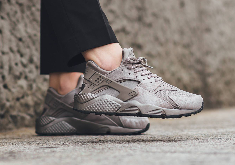 nike-air-huarache-wmns-iron-colorway-03.jpg