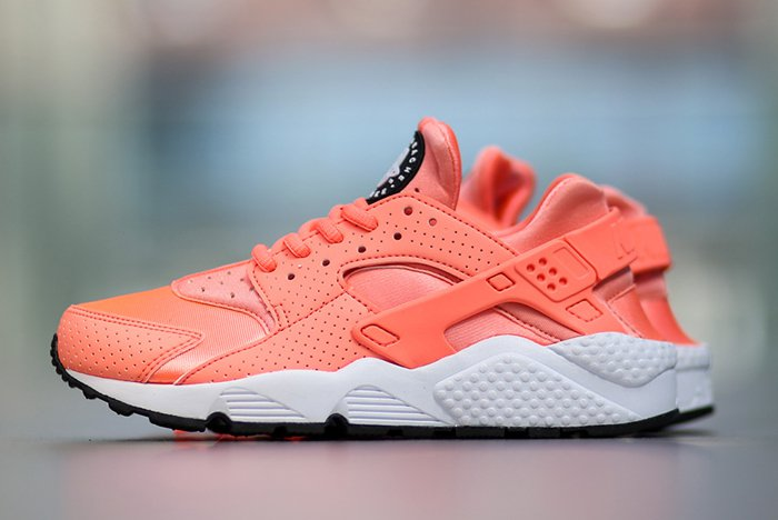 nike-air-huarache-atomic-pink-4.jpg